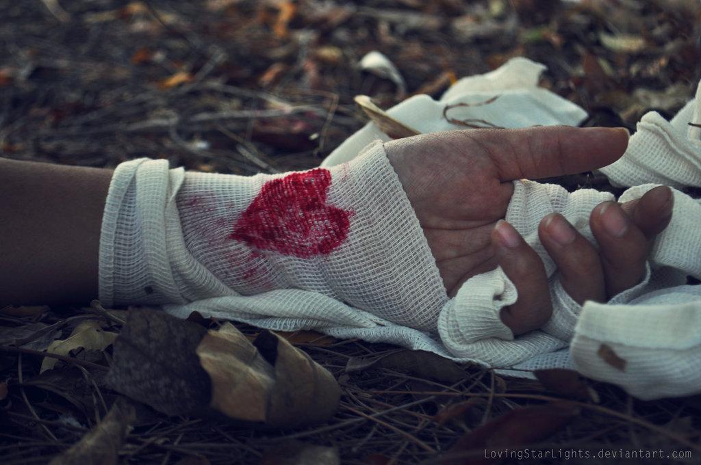 broken_heart_by_lovingstarlights-d62lbip.jpg