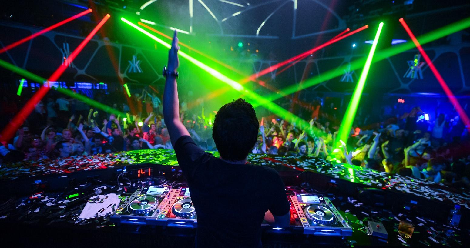 Las-Vegas-Nightclubs-and-Limo.jpg