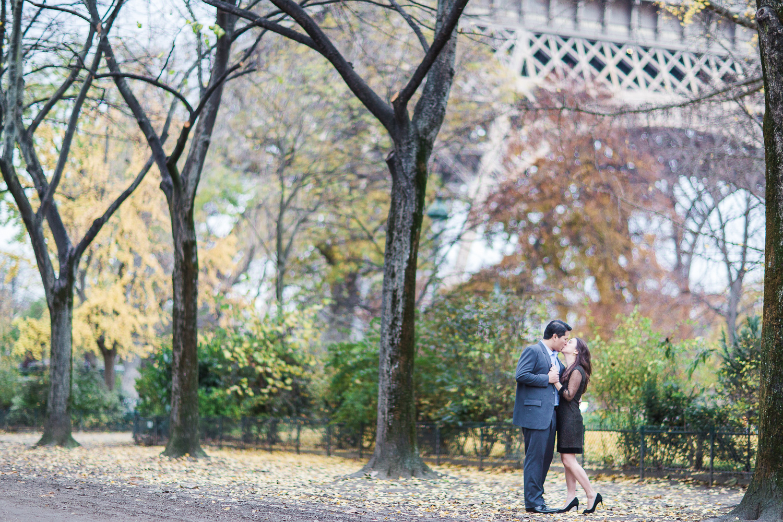english-speaking-engagement-photographer-paris-19.jpg