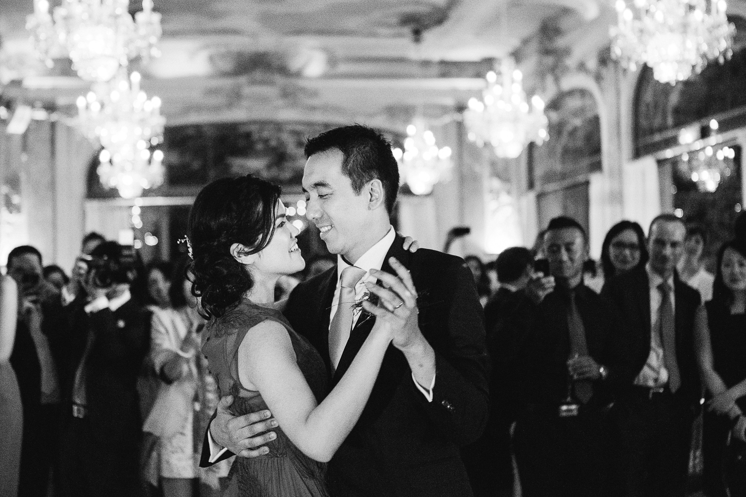 english-speaking-wedding-photographer-paris-28.jpg