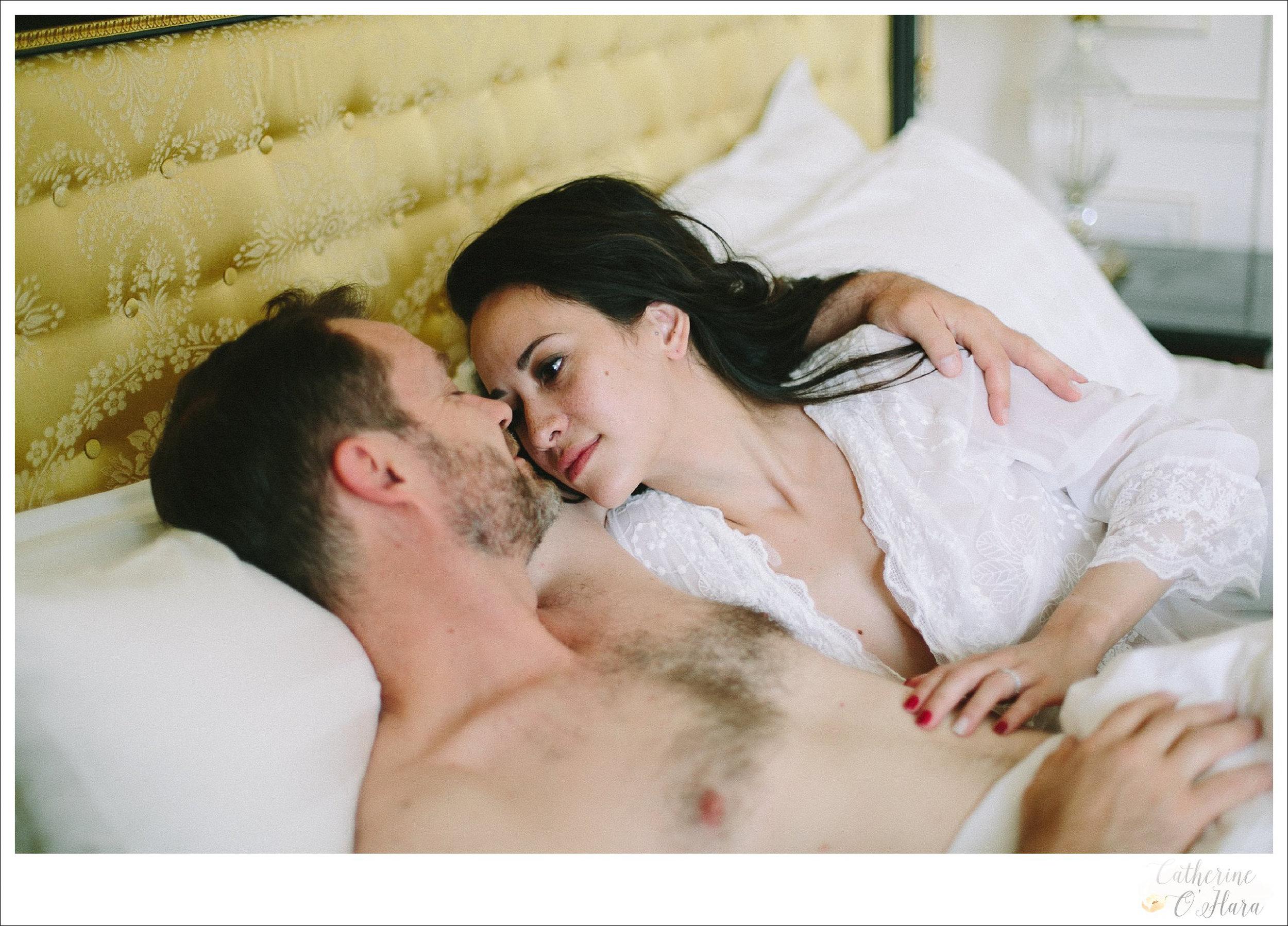 01-paris-couples-boudoir-shoot.jpg
