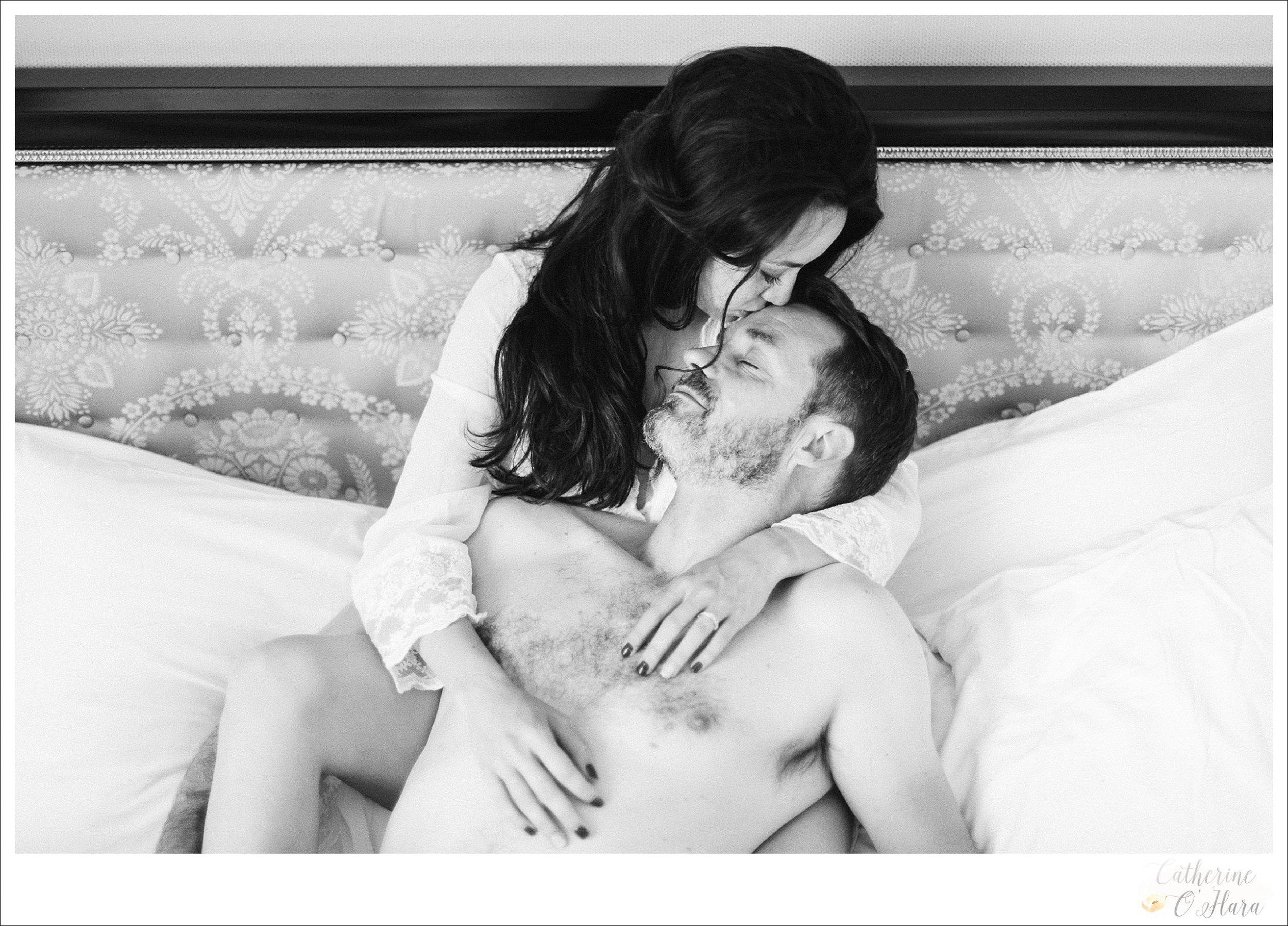 08-paris-couples-boudoir-shoot.jpg