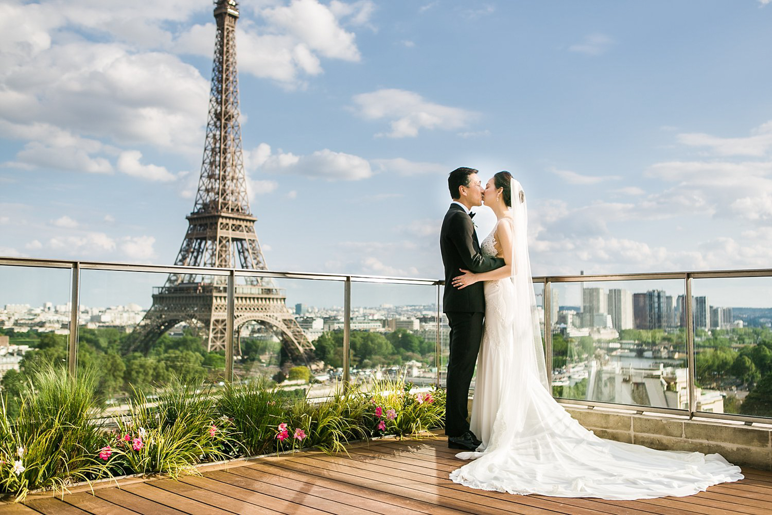 english-speaking-wedding-elopement-photographer-paris-france-307.jpg