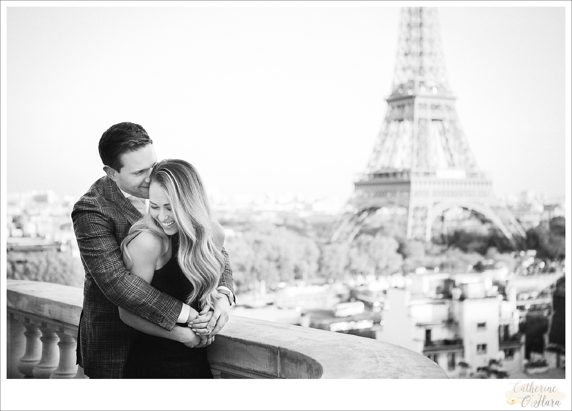 surprise proposal engagement photographer paris france-05.jpg