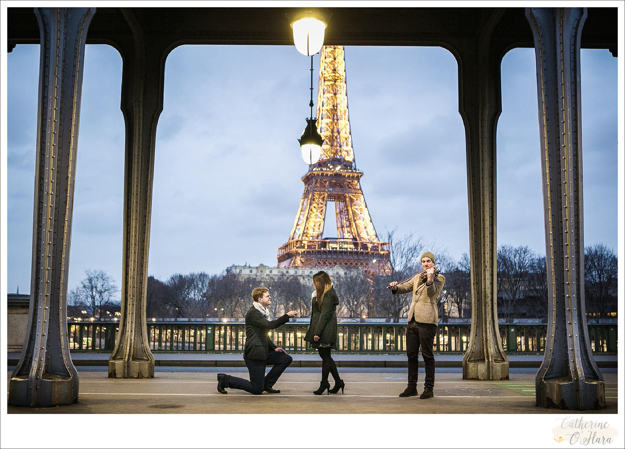 surprise proposal engagement photographer paris france-04.jpg