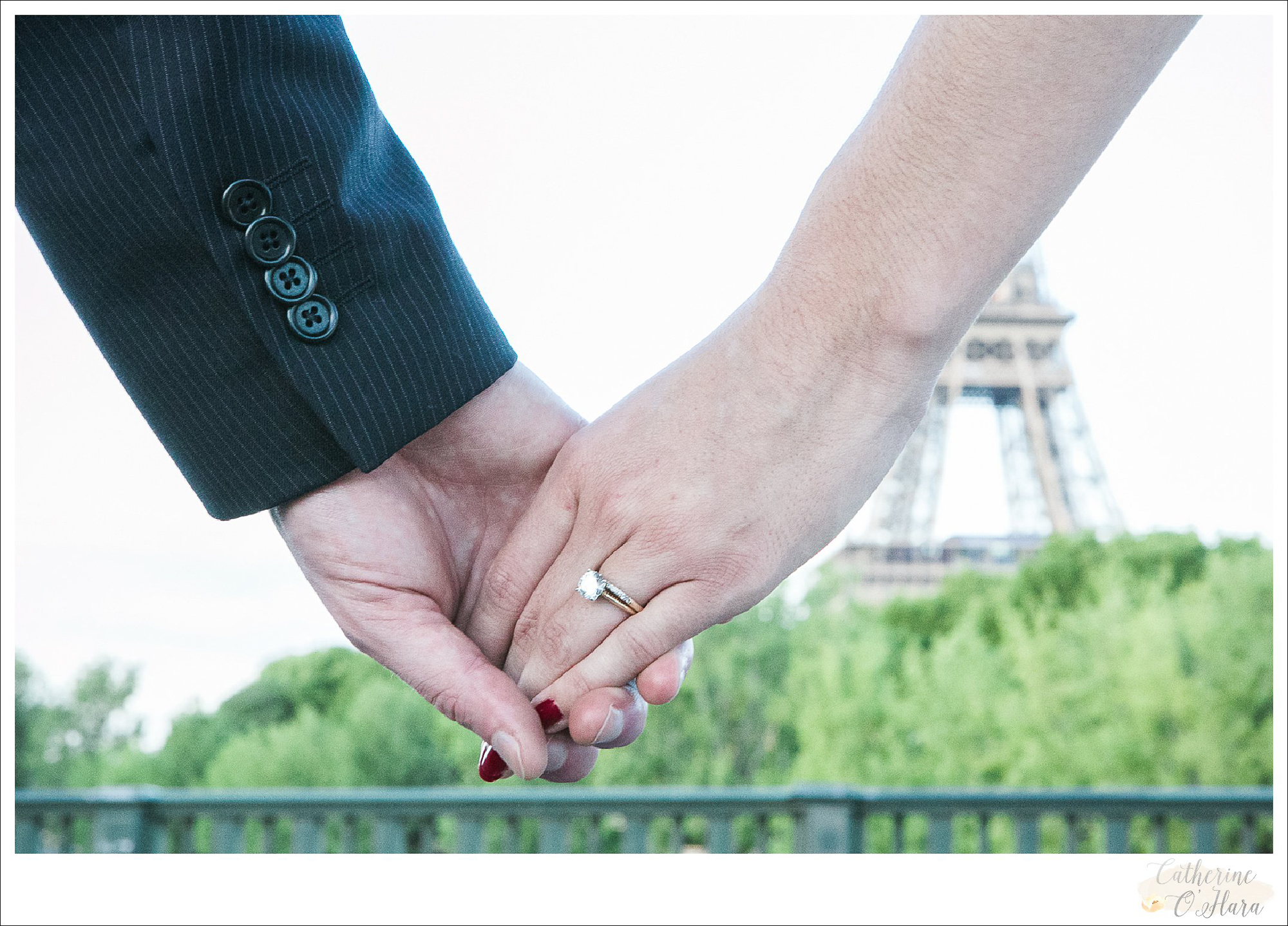 surprise proposal engagement photographer paris france-11.jpg