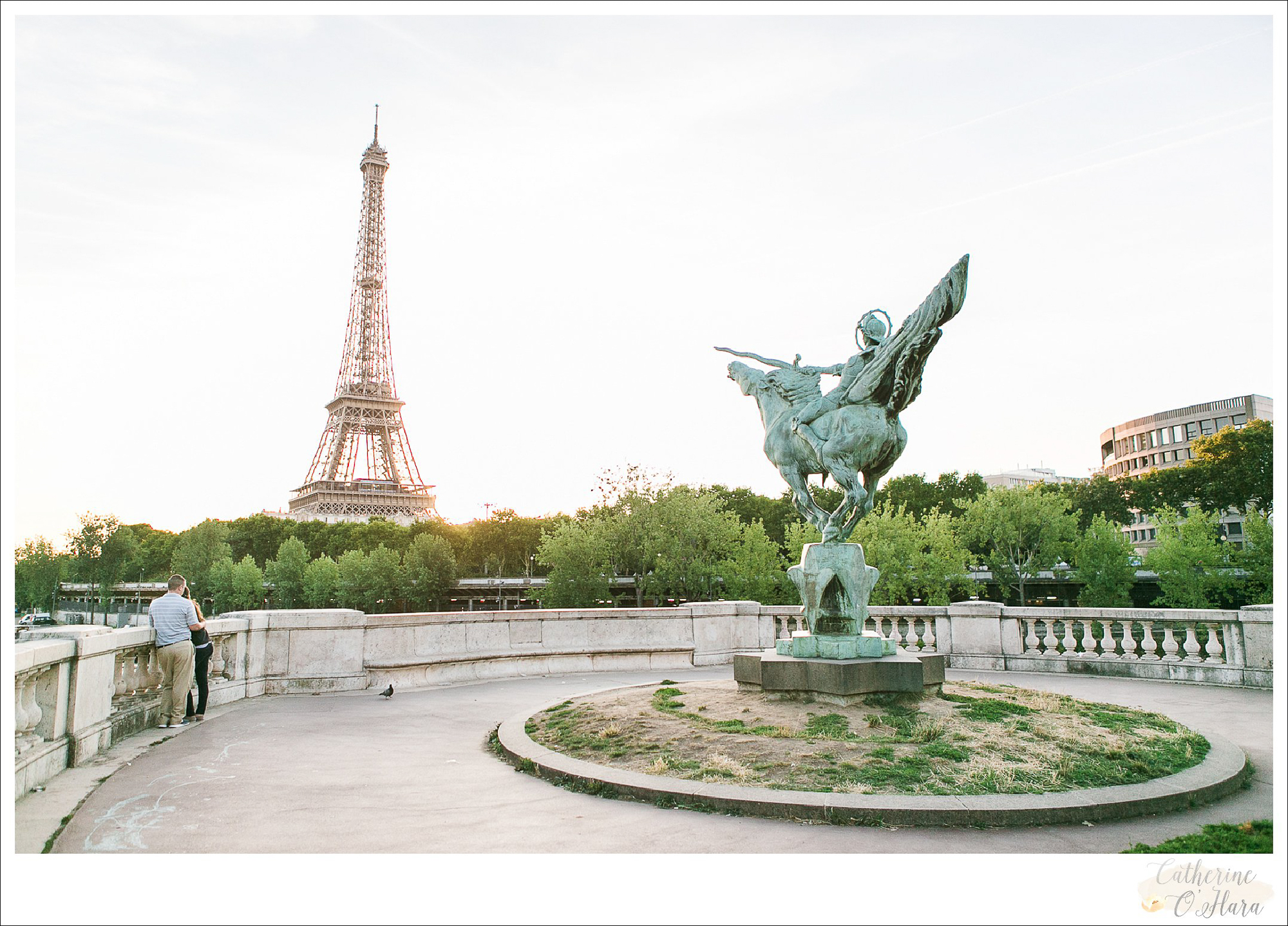 surprise proposal engagement photographer paris france-13.jpg