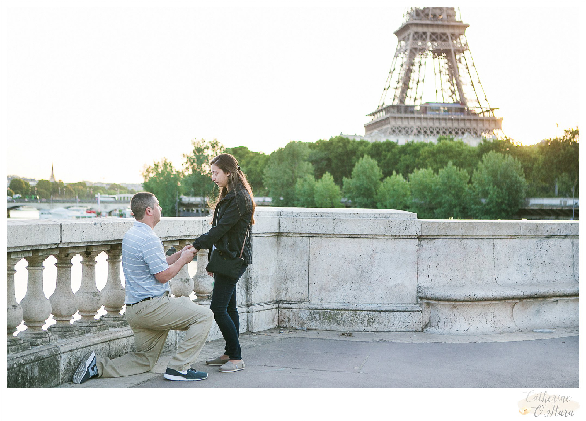 surprise proposal engagement photographer paris france-15.jpg