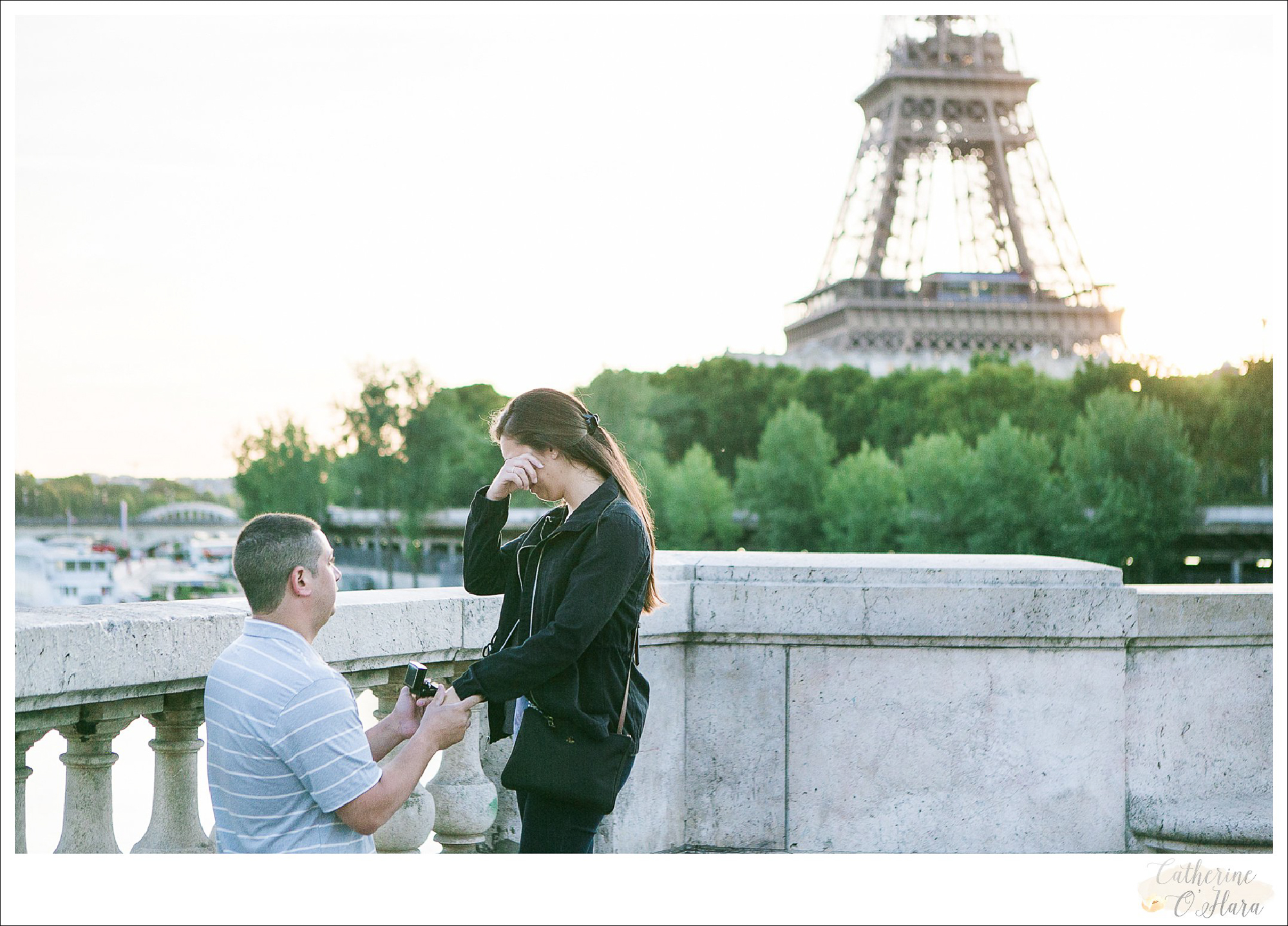surprise proposal engagement photographer paris france-16.jpg