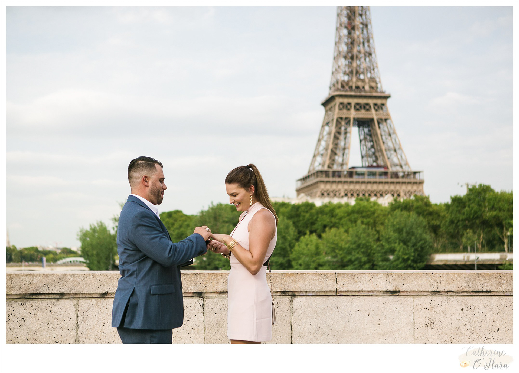 surprise proposal engagement photographer paris france-23.jpg