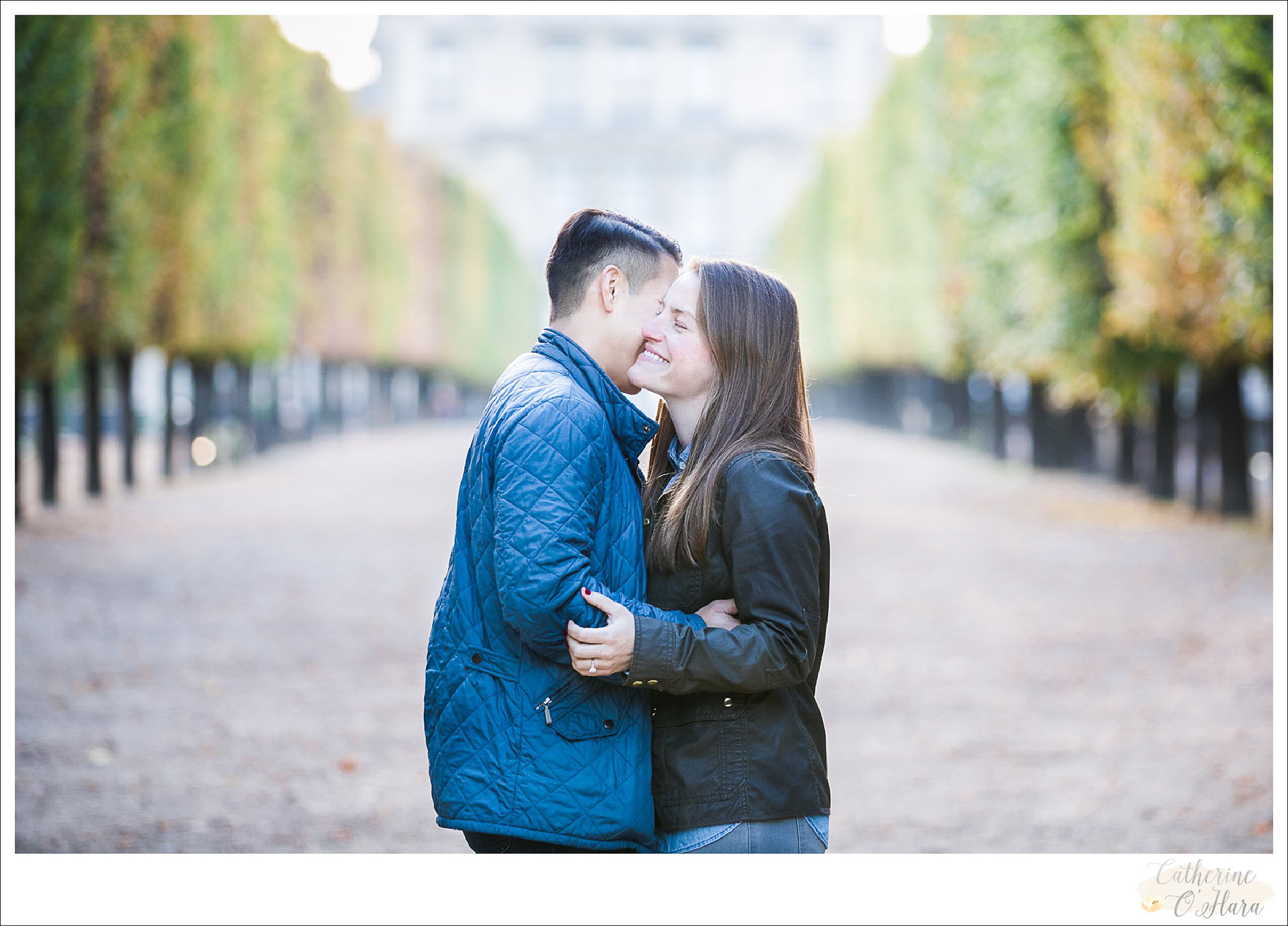 surprise proposal engagement photographer paris france-26.jpg