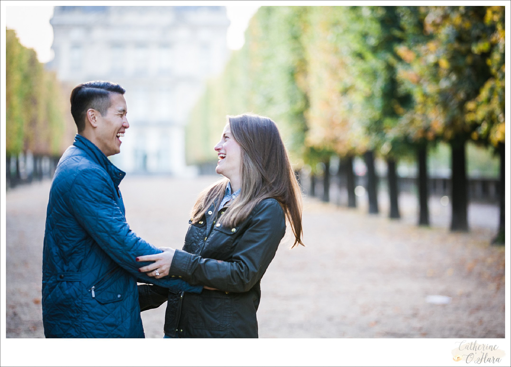 surprise proposal engagement photographer paris france-27.jpg