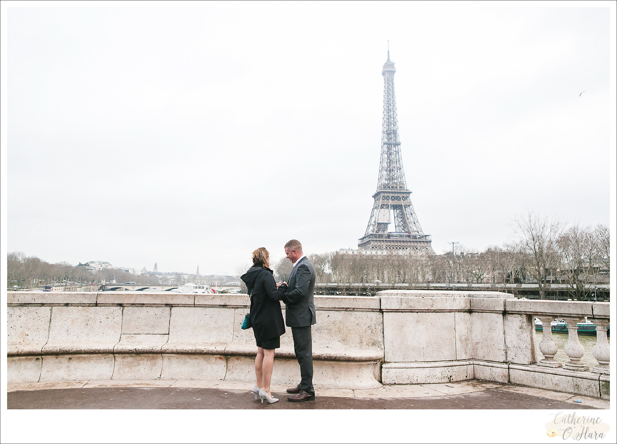 surprise proposal engagement photographer paris france-30.jpg