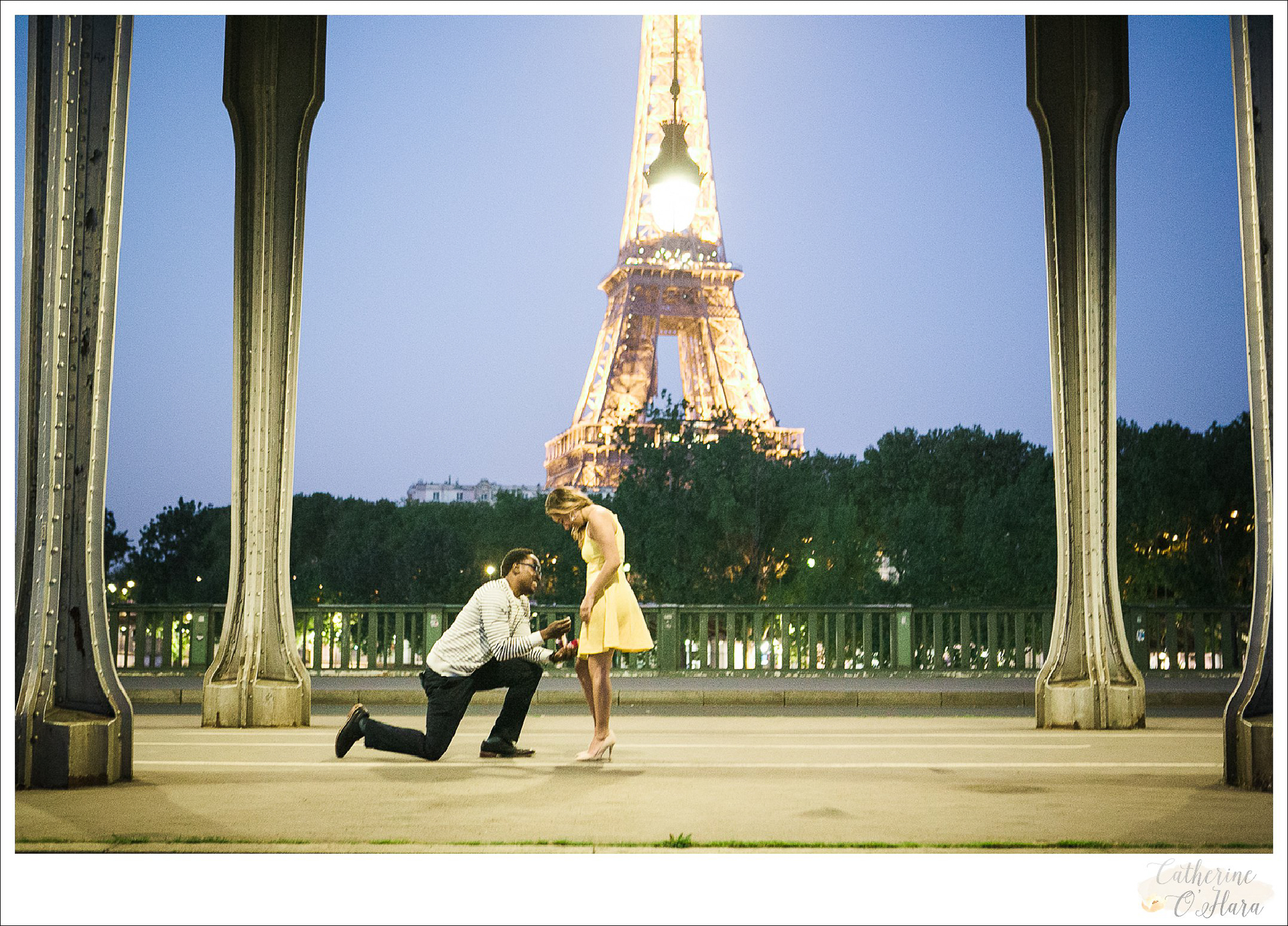 surprise proposal engagement photographer paris france-33.jpg