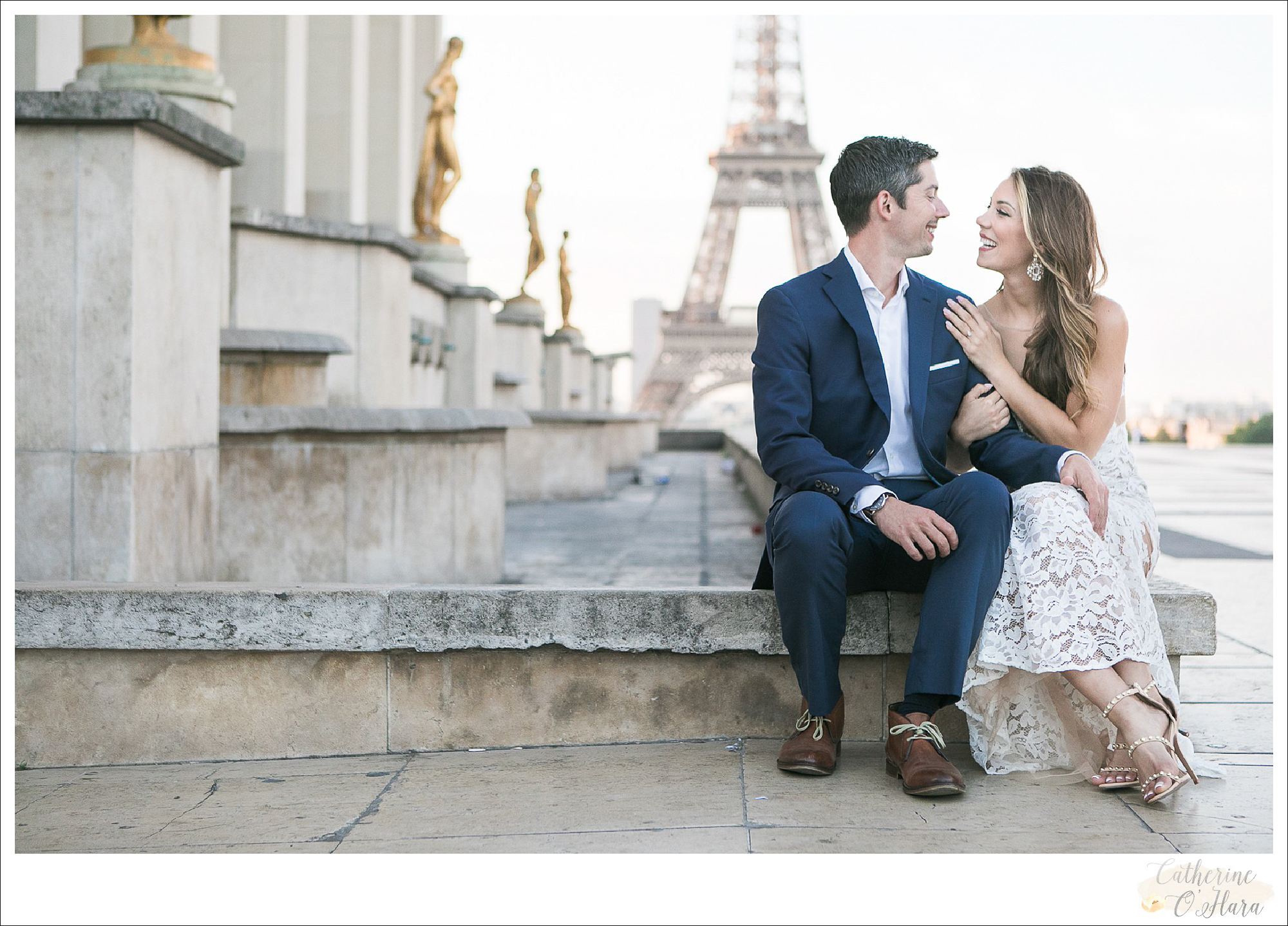 surprise proposal engagement photographer paris france-36.jpg