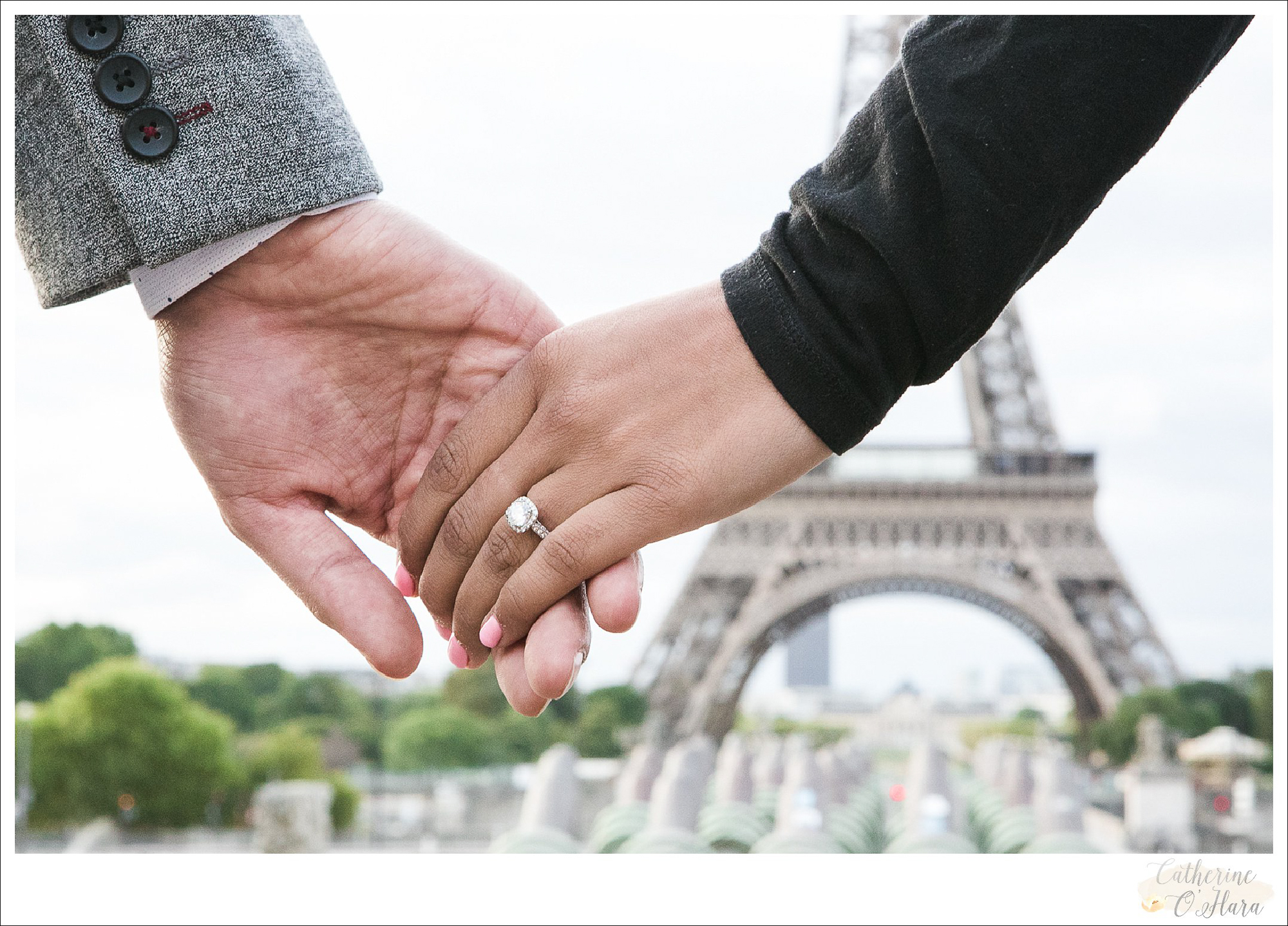 surprise proposal engagement photographer paris france-40.jpg