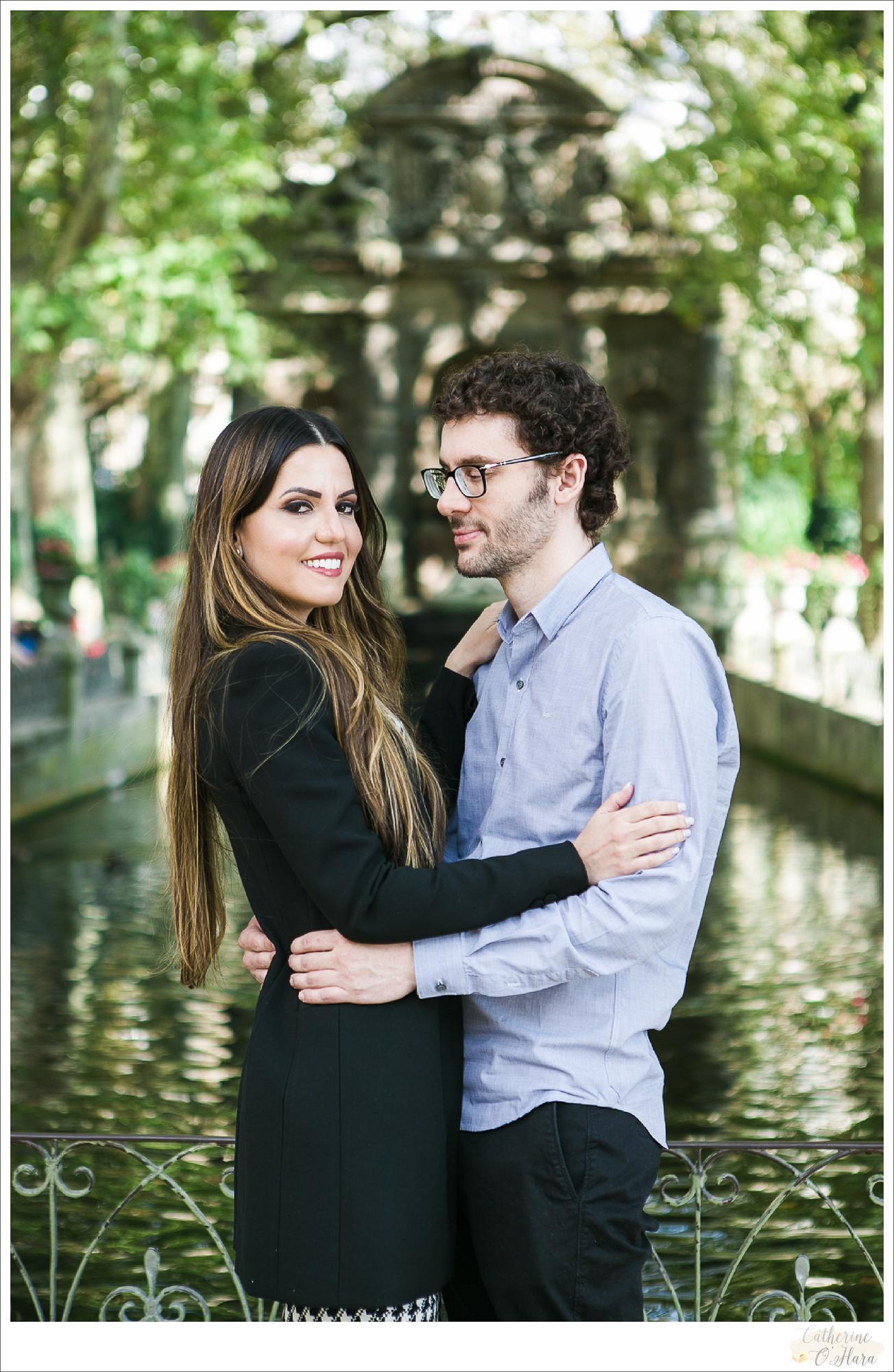 surprise proposal engagement photographer paris france-46.jpg