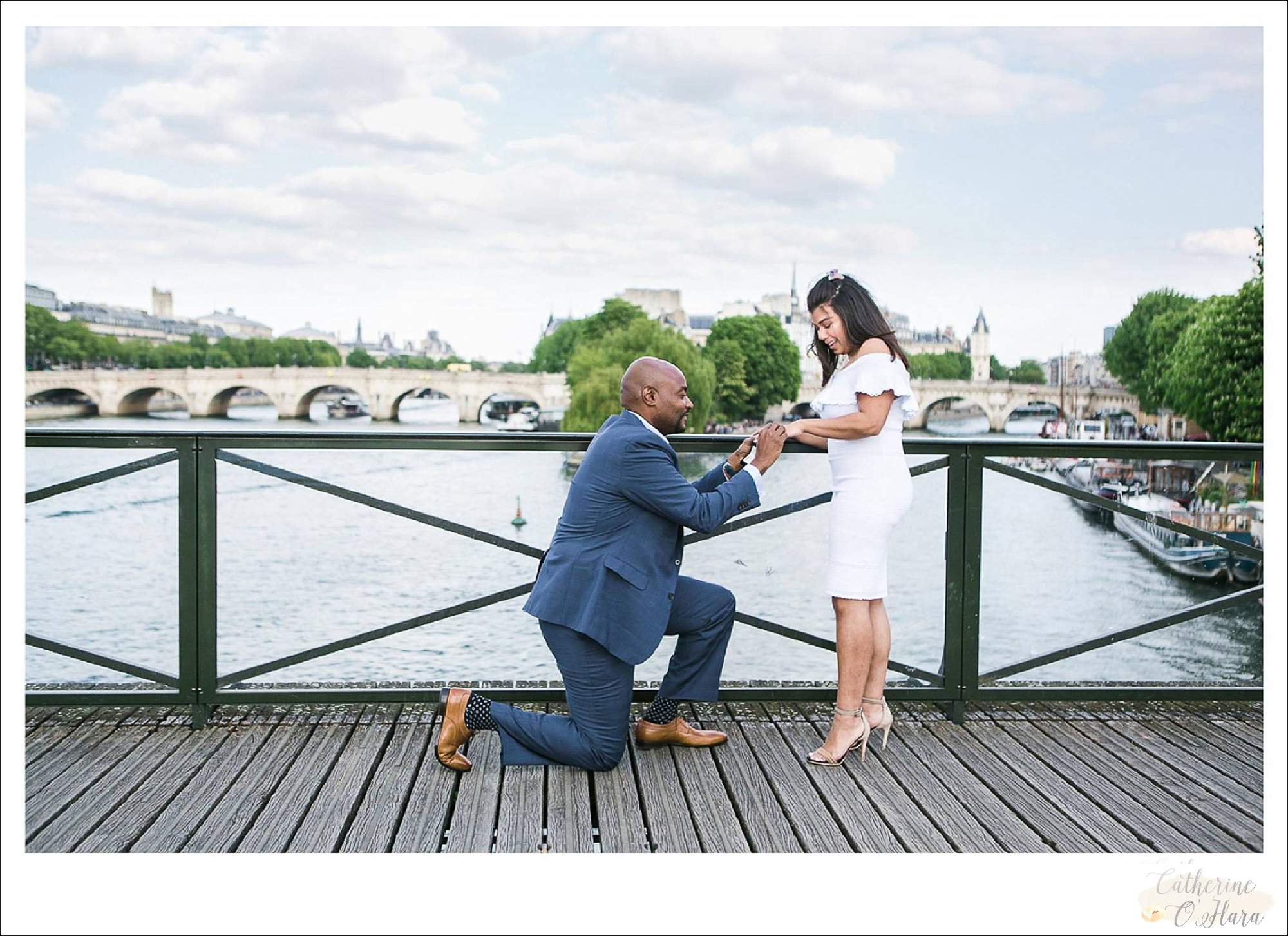surprise proposal engagement photographer paris france-50.jpg