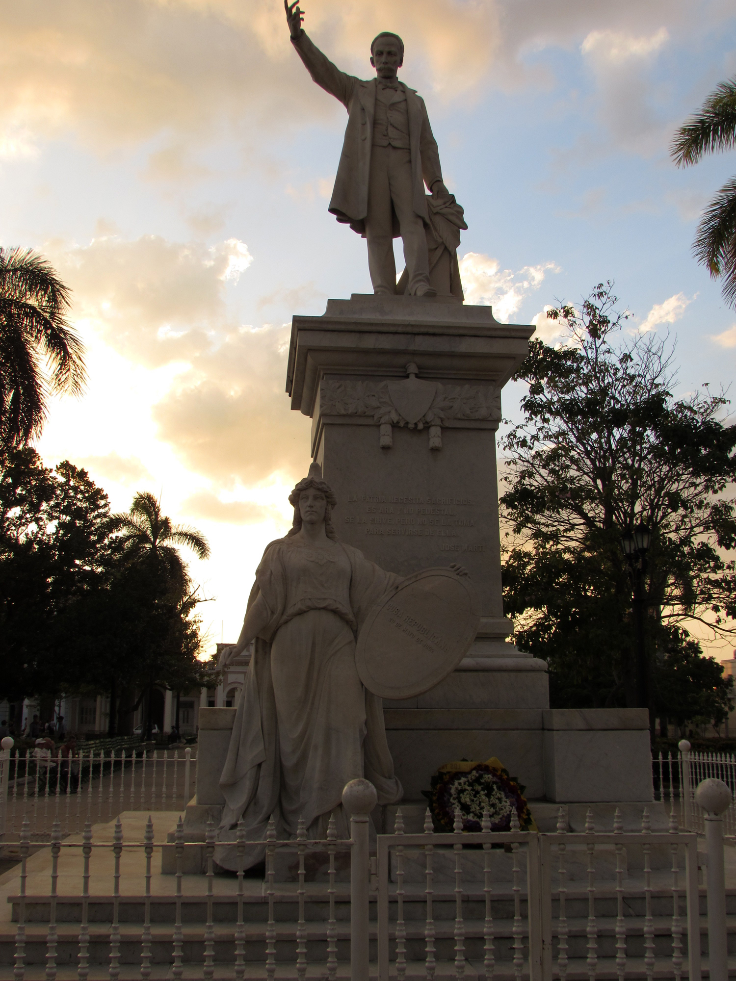 A statue at sunset in Cienfuegos