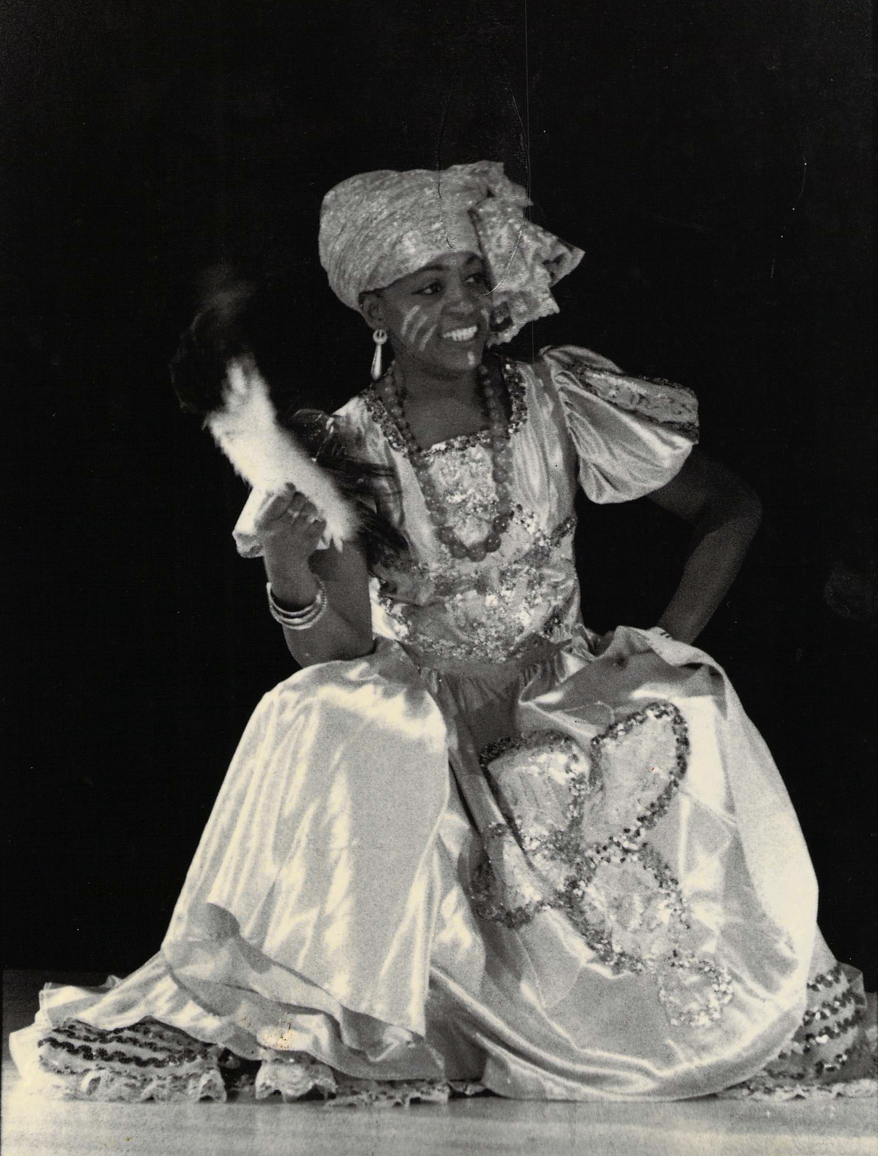 Dorothy Wilkie as Oshun (Philadelphia, 1990). Photographer: unknown. Photo courtesy of Dorothy Wilkie.