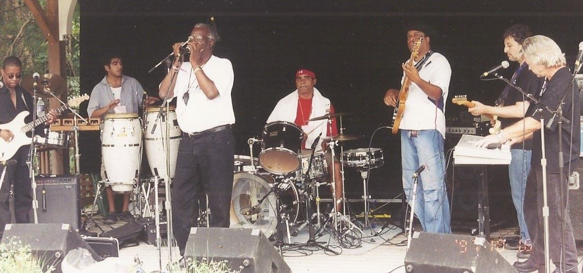 Jinx plays the Philly Folk Fest Main Stage in 2005 with Lester Chambers (of the Chambers Brothers) and Jef Lee Johnson.
