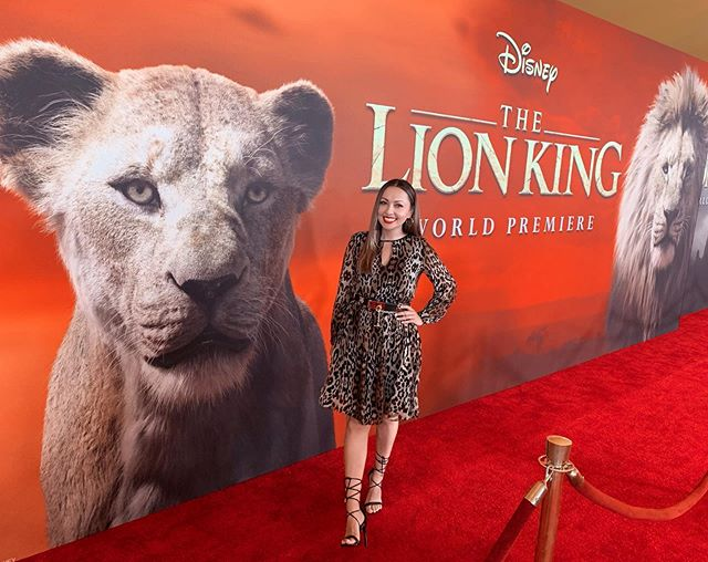 Last night was an evening of childhood nostalgia! I laughed, I cried, and I sang (silently to myself) with the amazing cast, producers, crew and fans of the @lionking 🦁 It's been 25 years since the original animated film was released, and this 2019 remake is the first keyframe-animated movie shot on a virtual reality set and it is visually STUNNING! @billyeichner and @sethrogen are hilarious as Timon and Pumbaa, #JohnOliver is the perfect Zazu, and I'm especially happy that #JamesEarlJones returned as the voice of Mufasa. I hope you all enjoy it as much as I did! . . . #lionking #disney #redcarpet #worldpremiere