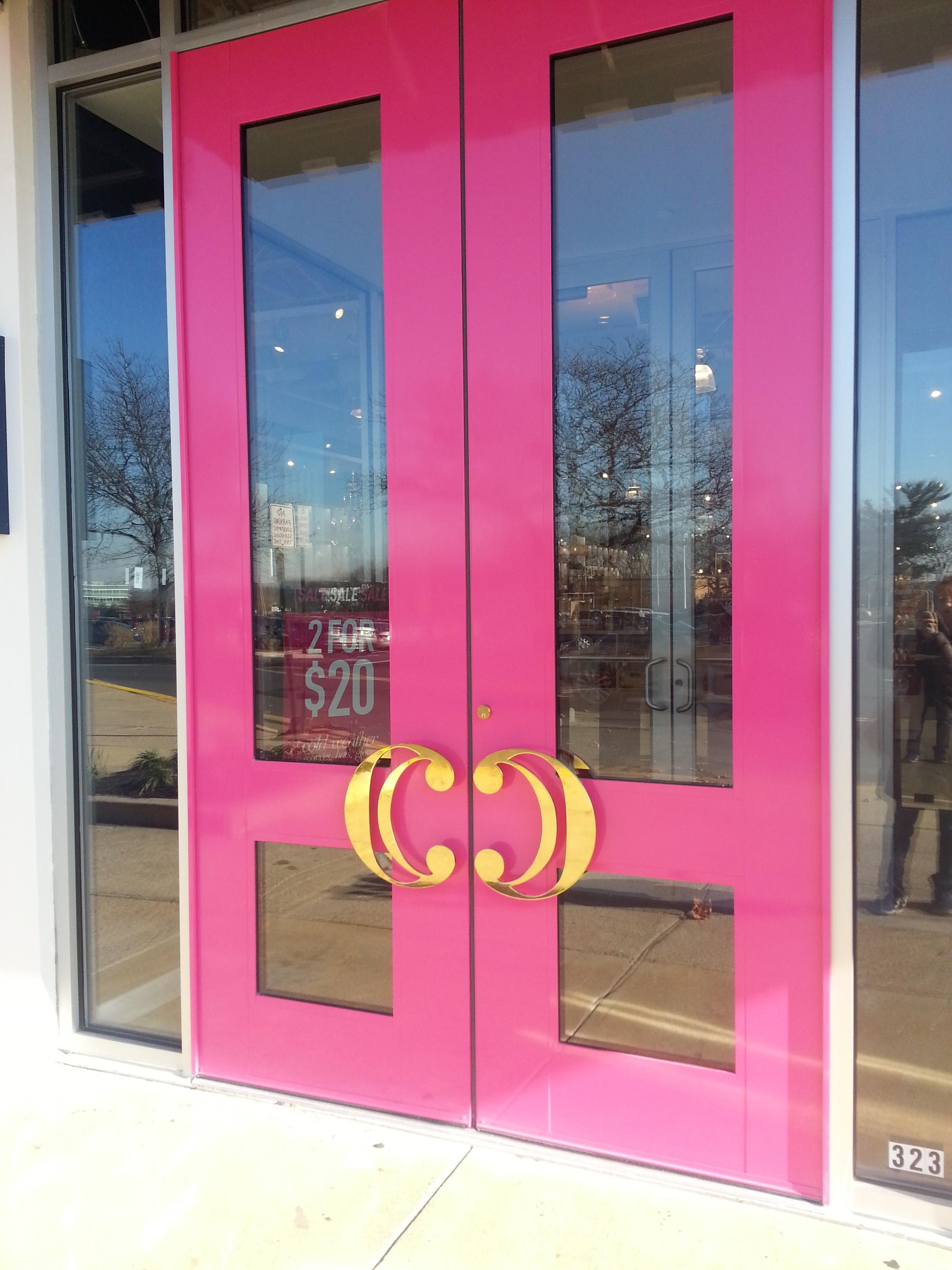 Secondary logos as door handles?? Yes, please!
