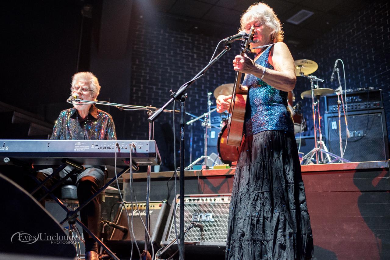 Concert photography (Bob Hall and Hillary Blythe)