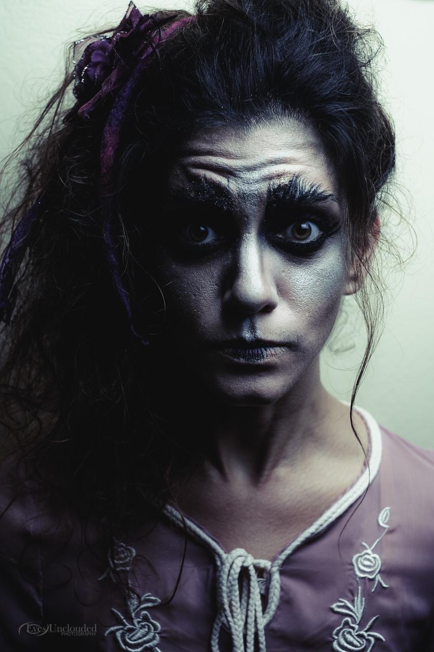 Model: Iliana Thalassinou