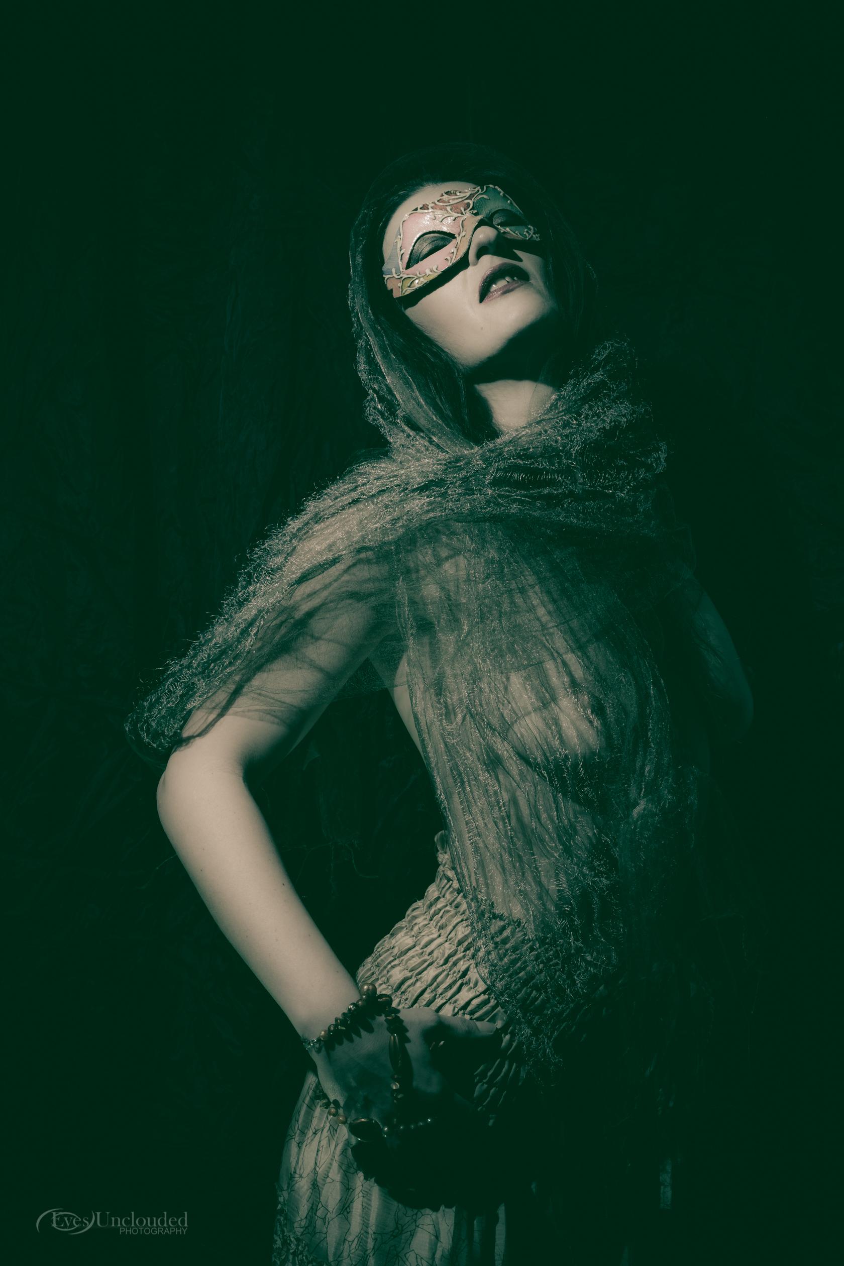 Anna Masked-17.jpg