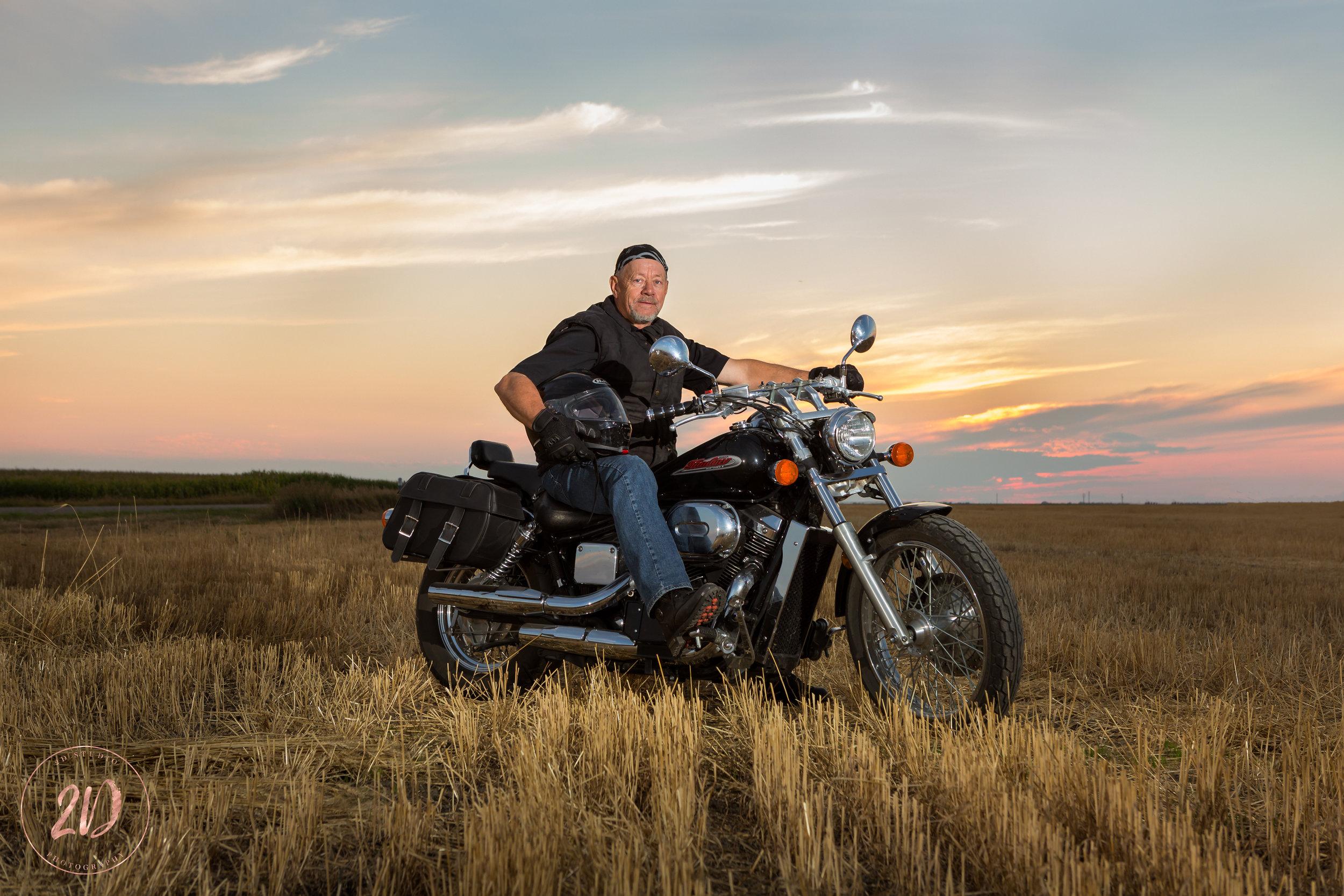 Motorcycle_Portrait_Lethbridge_Sunset_Field_Photographer