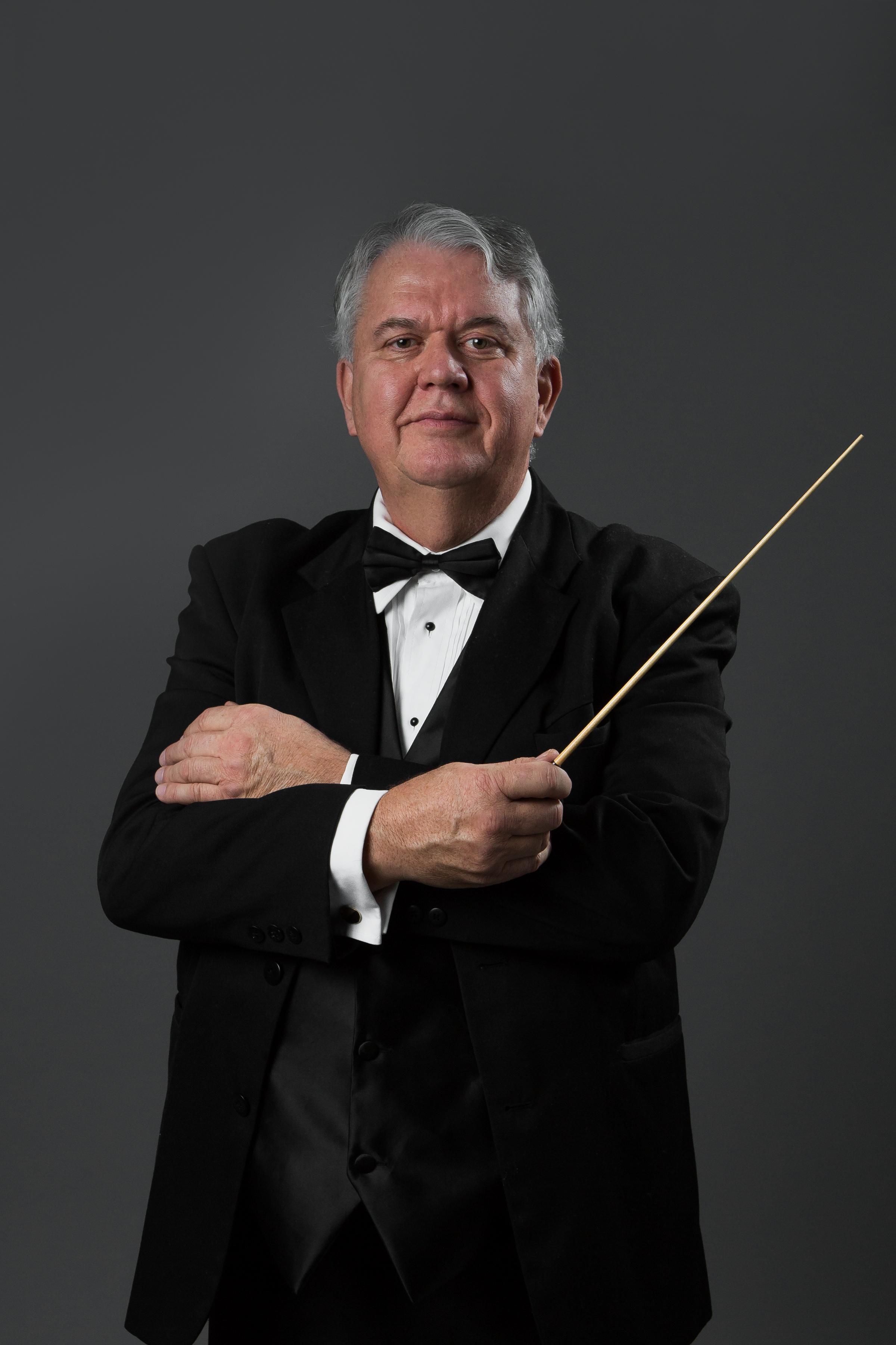 Conductor_Baton_Headshot