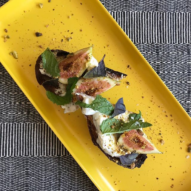 Herbed yoghurt spread, honey, fig & pistachios on charcoal sourdough.  Its on the menu today at 2.  #ojai #winebar #patio