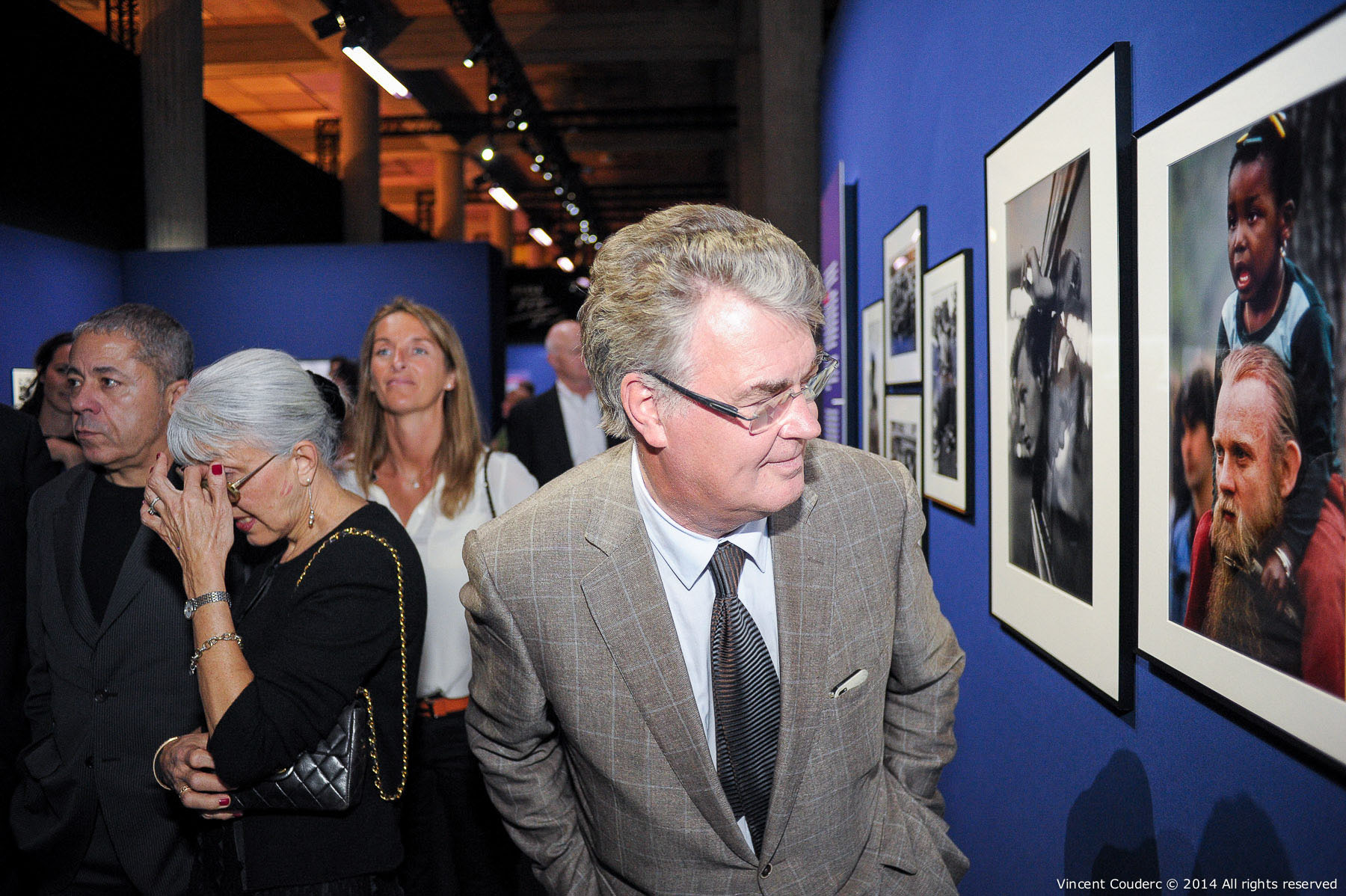 Jean-Paul Delevoye, président du CESE (2010-2015)  Exposition sur le travail du photographe Henri Dauman Palais d'Iéna,Paris, 2014.   www.manhattan-darkroom.com