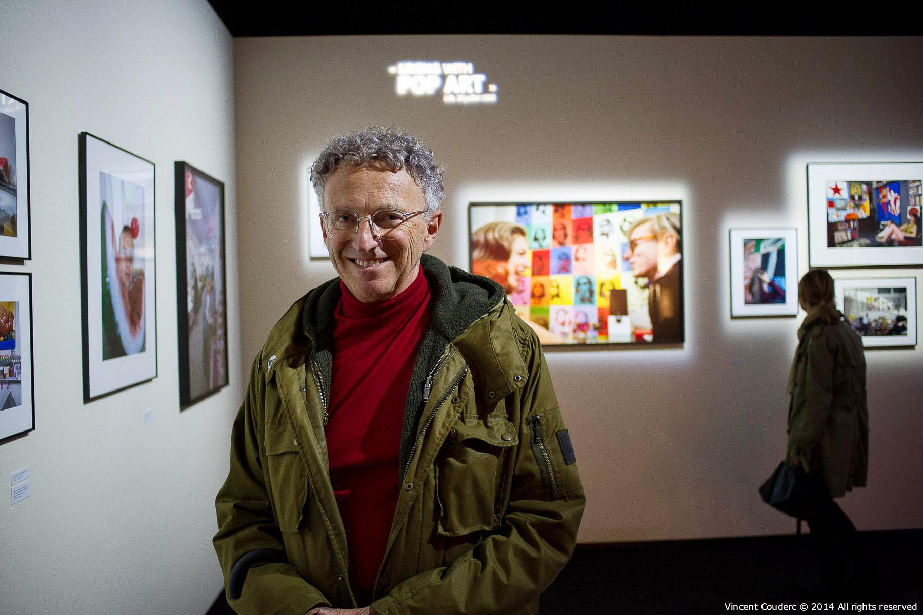 Nelson Monfort,animateur TV  Exposition sur le travail du photographe Henri Dauman Palais d'Iéna,Paris, 2014.   www.manhattan-darkroom.com