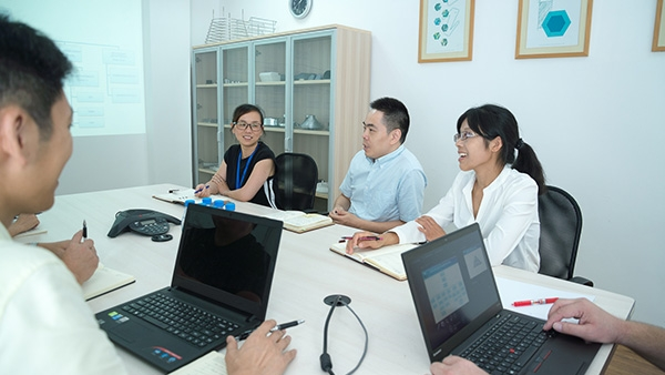 Negotiations - Our experienced Chinese negotiators will negotiate the best price and terms for you.