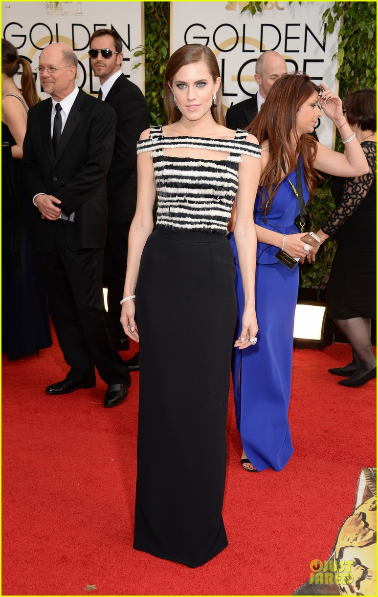 allison-williams-zosia-mamet-golden-globes-2014-01.jpg