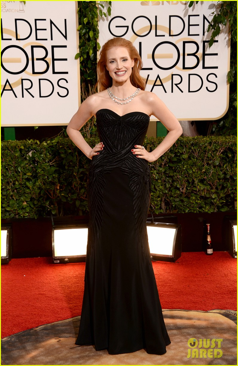 jessica-chastain-golden-globes-2014-red-carpet-03.jpg