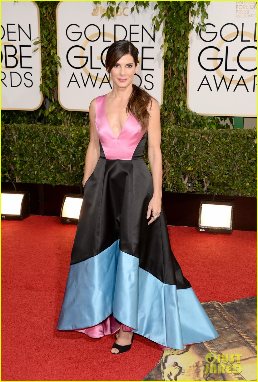 sandra-bullock-golden-globes-2014-red-carpet-01.jpg