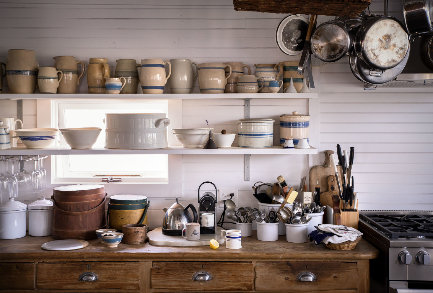 marston-house-vinalhaven-kitchen-shelves-1466x993.jpg