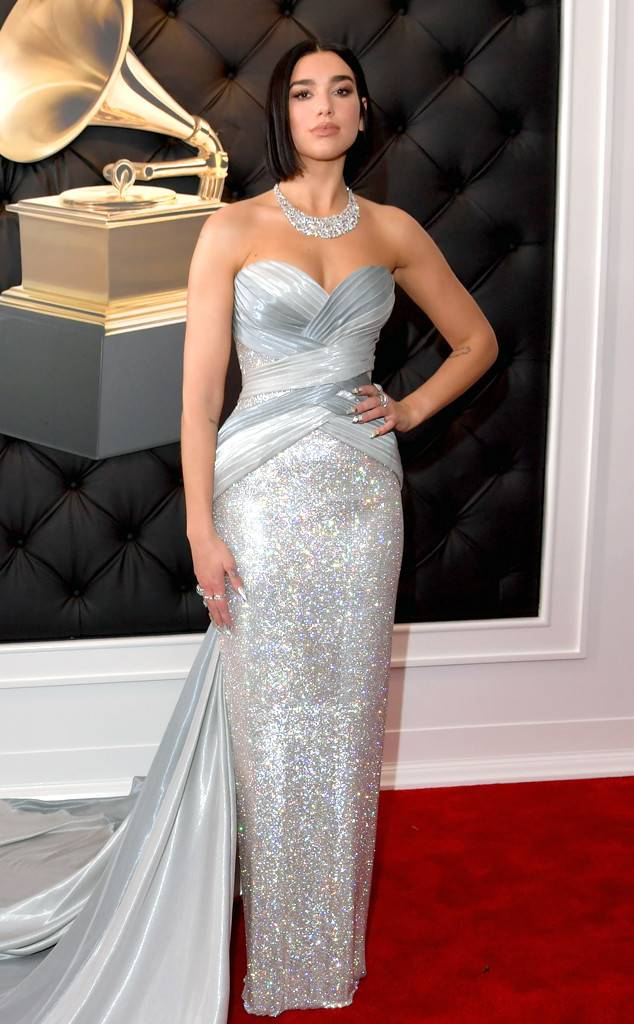 rs_634x1024-190210164331-634-2019-grammy-awards-red-carpet-fashions-dua-lipa.cm.21019.jpg
