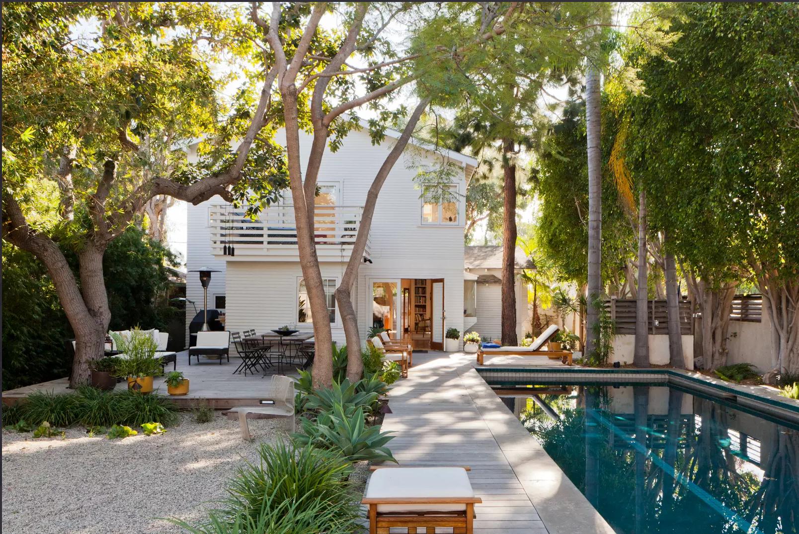 Marine Street: A beachside home in Santa Monica, Los Angeles