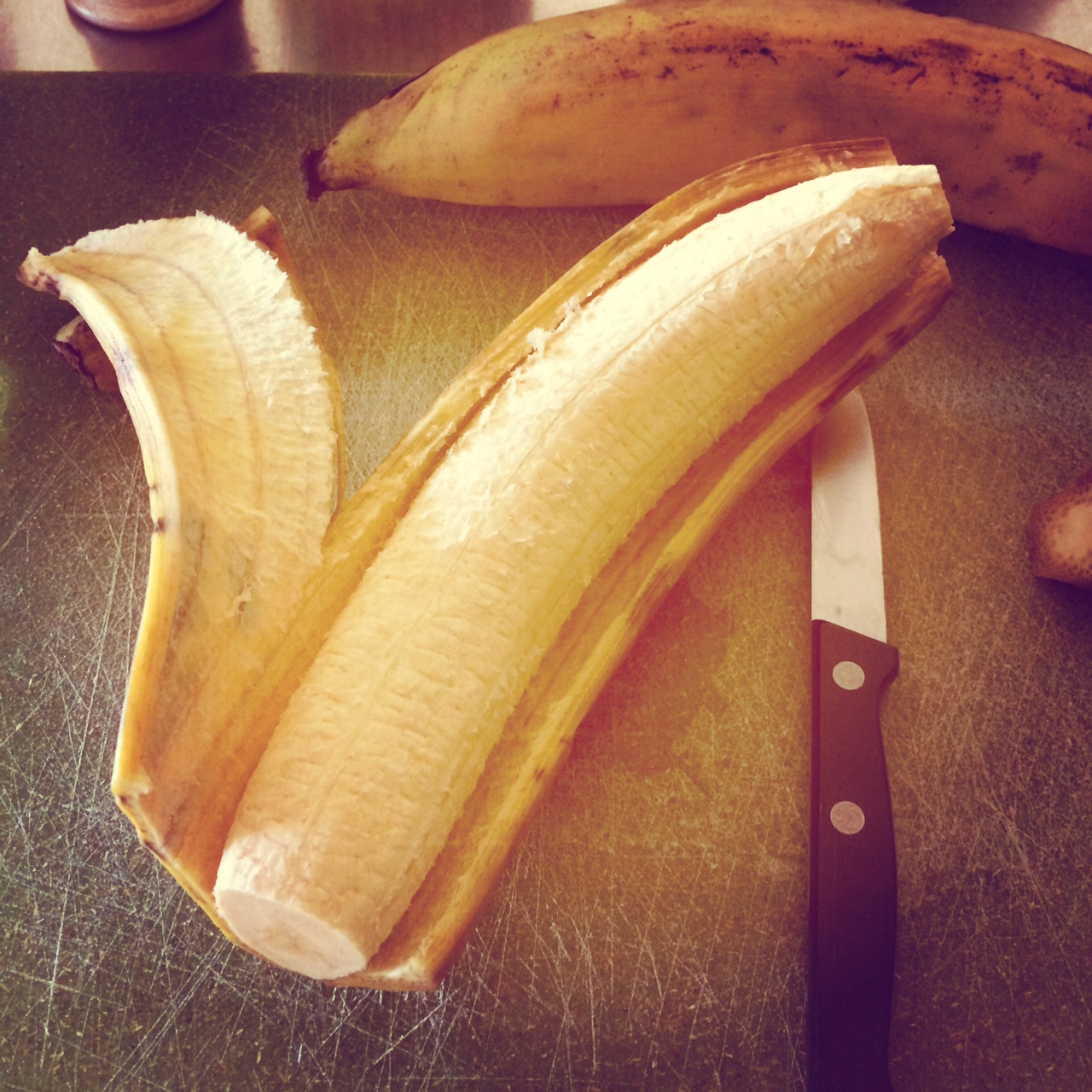 Proper peeling for plantains