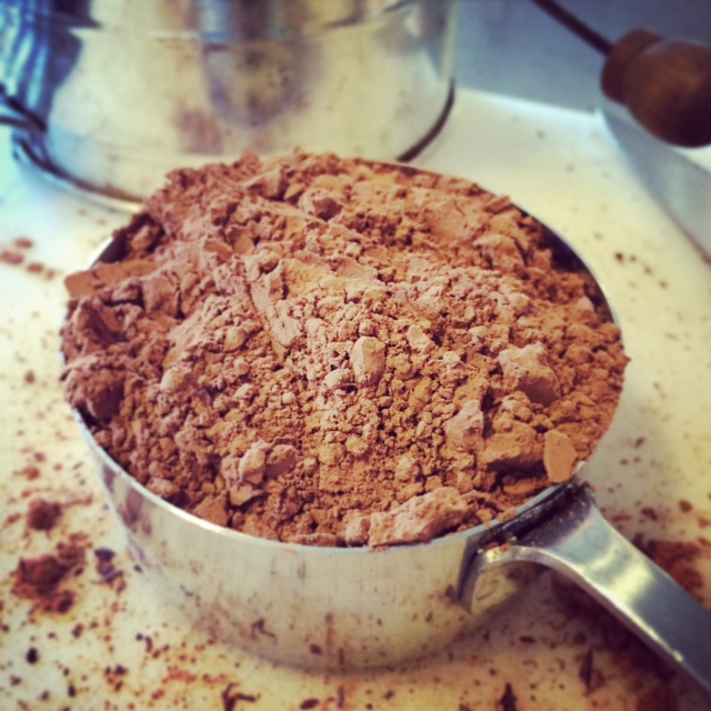 Measuring cocoa powder