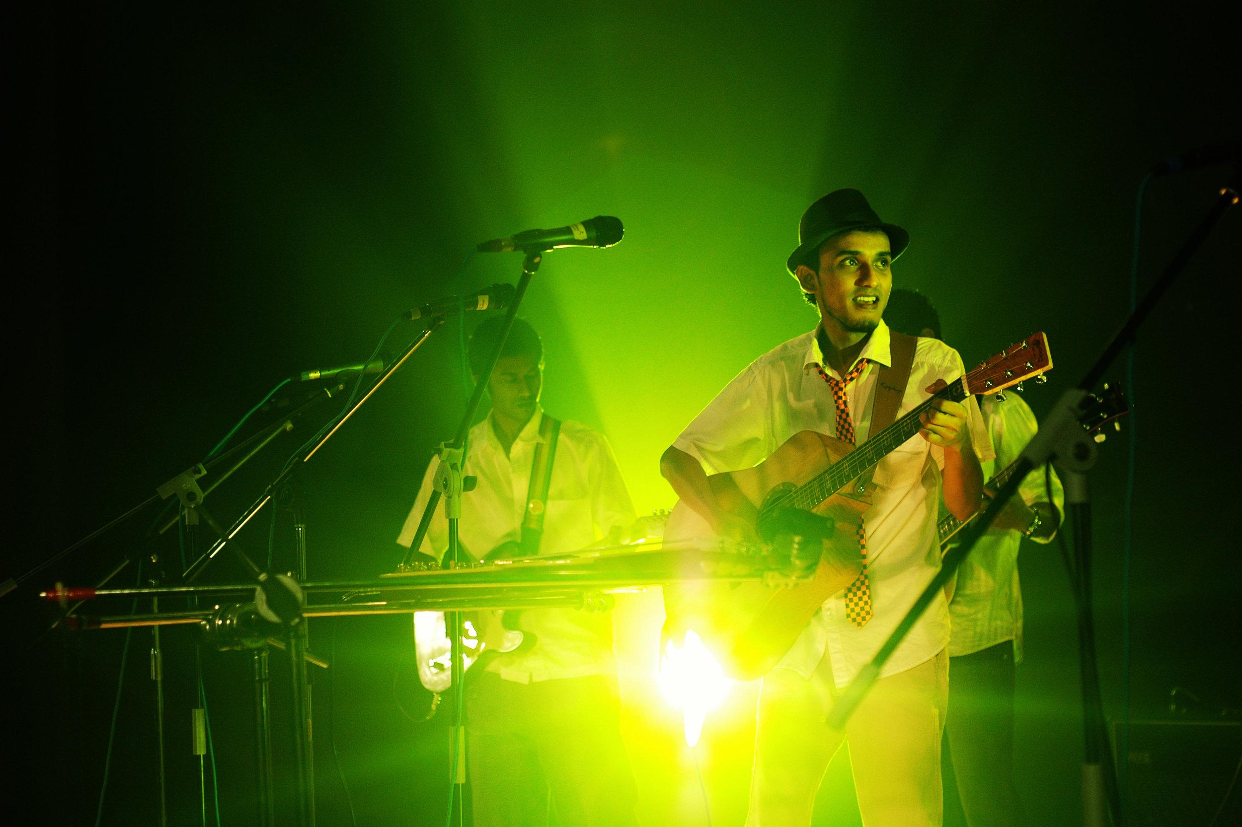 2009-08-19 - Male' City - Dharubaaruge' - Eku Ekee Album Launch - D70s-7849.jpg