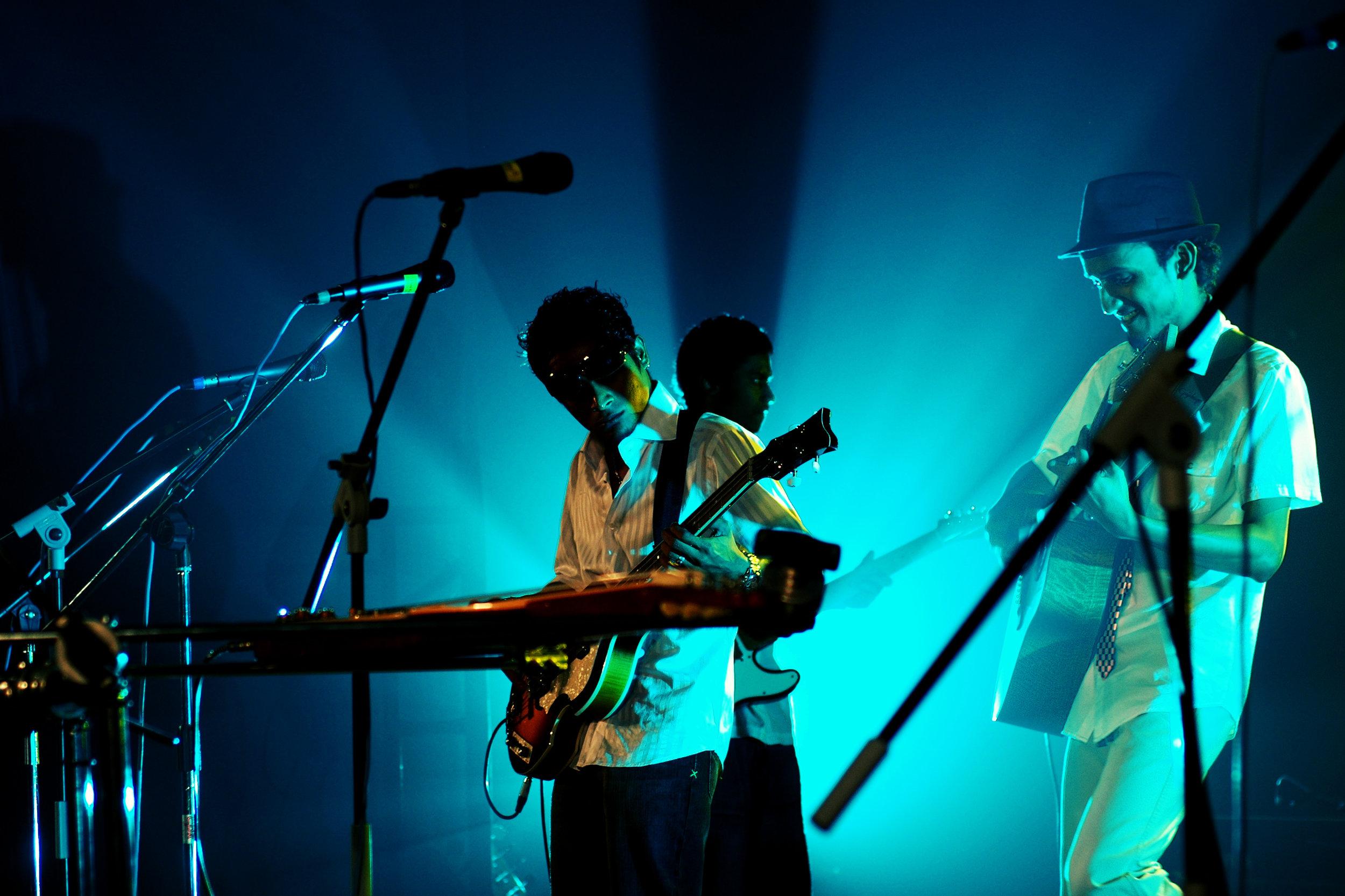 2009-08-19 - Male' City - Dharubaaruge' - Eku Ekee Album Launch - D70s-7869.jpg