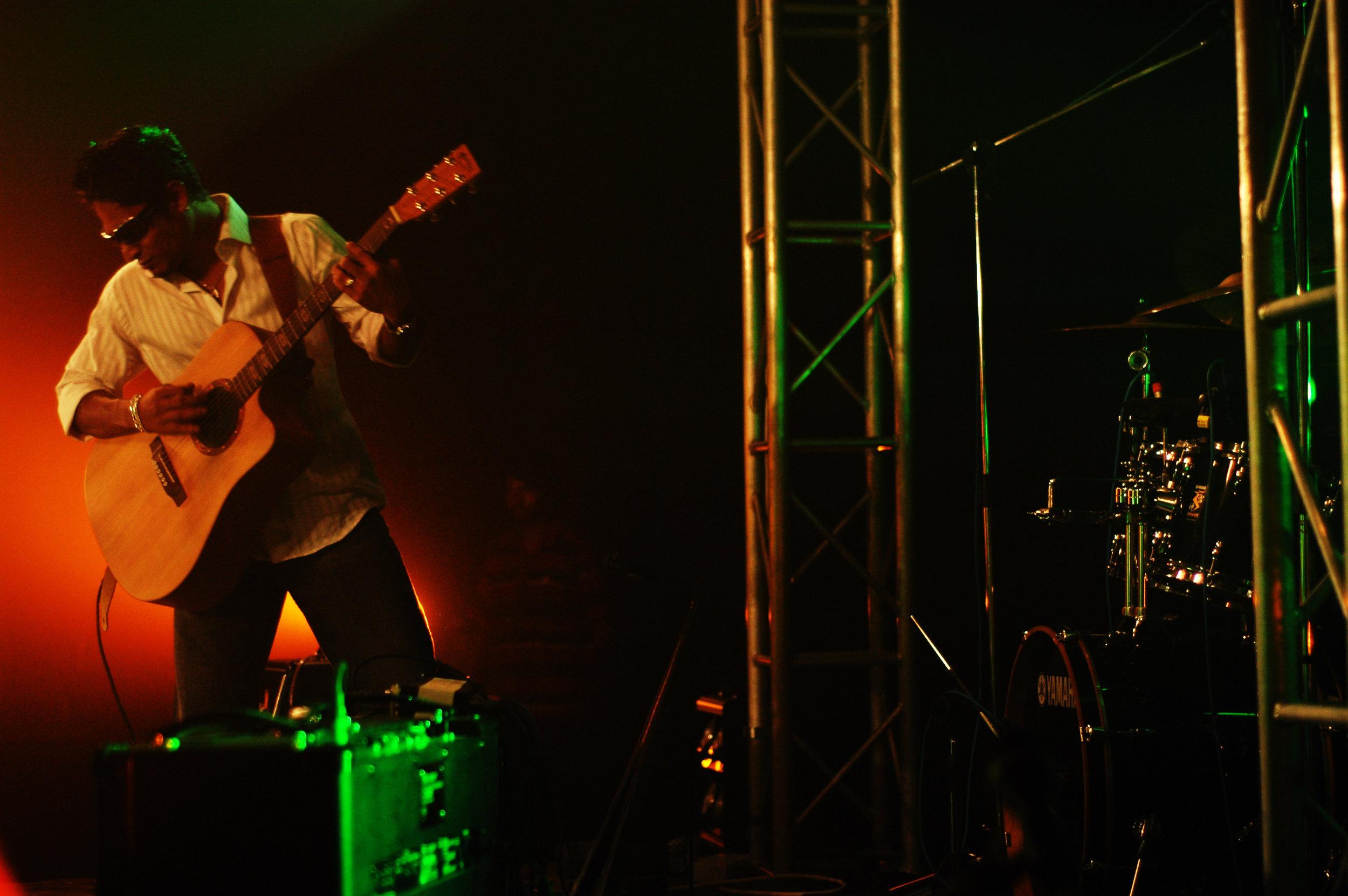 2009-08-19 - Male' City - Dharubaaruge' - Eku Ekee Album Launch - D70s-7958.jpg