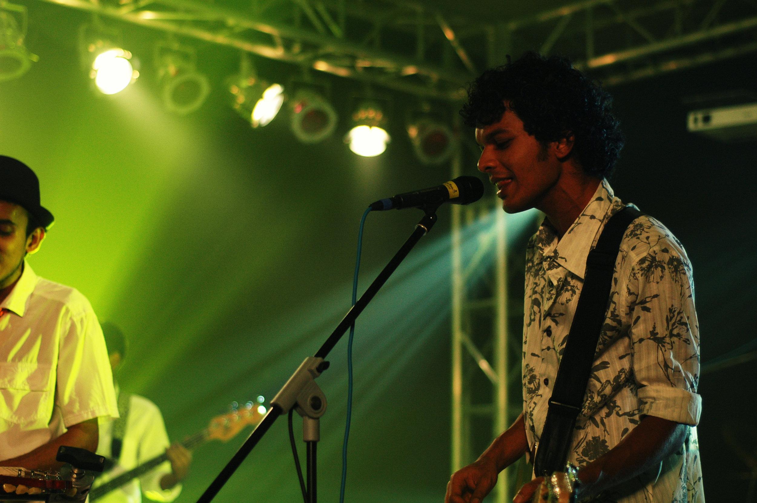 2009-08-19 - Male' City - Dharubaaruge' - Eku Ekee Album Launch - D70s-7971.jpg