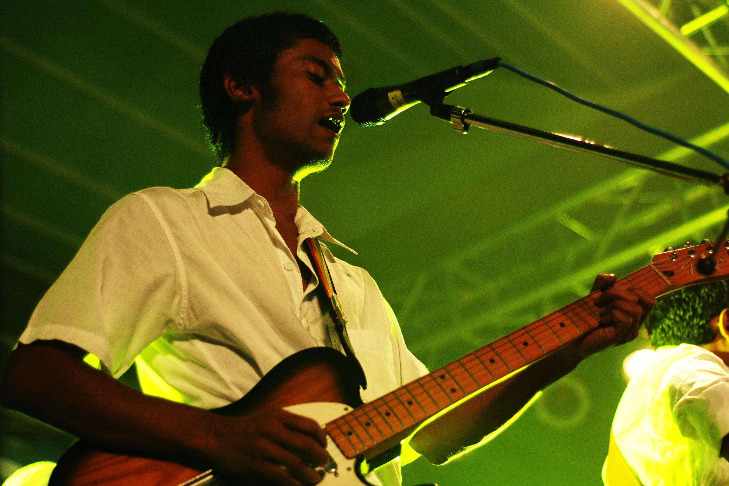 2009-08-19 - Male' City - Dharubaaruge' - Eku Ekee Album Launch - D70s-7988.jpg