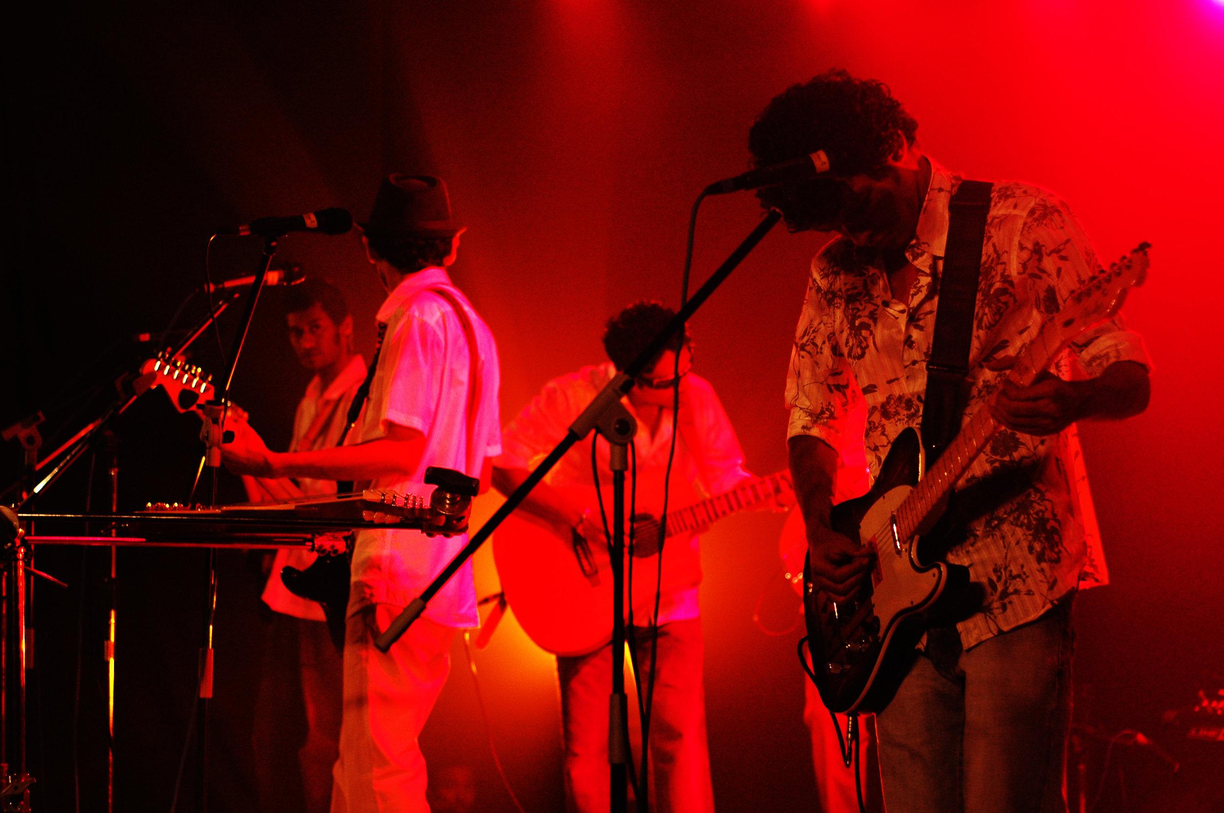 2009-08-19 - Male' City - Dharubaaruge' - Eku Ekee Album Launch - D70s-7991.jpg